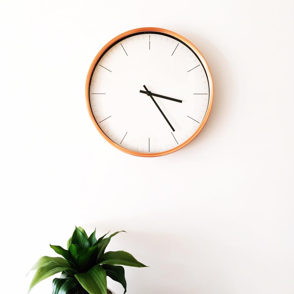Adelaide Airbnb Clock