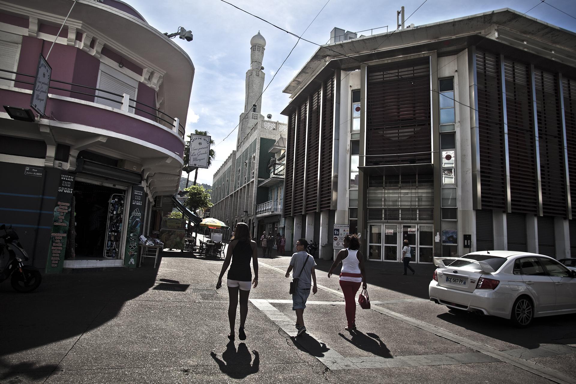Saint-Denis, Ile de la Réunion. Janvier 2013.Quartier du centre ville de Saint-Denis où se trouve la grande mosquée.
