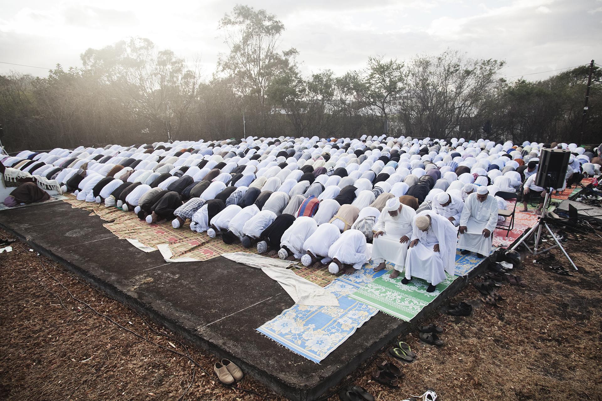 Saint-Pierre, Ile de la Réunion. Octobre 2012.Grande prière du matin, le jour de l'Aïd El Kebir (Kourbani).