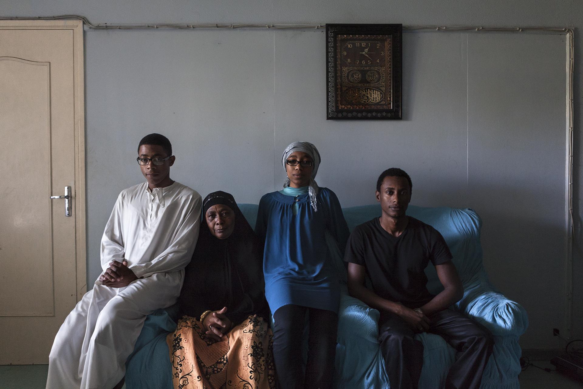 Famille portoise vivant dans le quartier de la ZAC. Se revendiquant d'un quartier difficile cela n'a pas empêché que tous les enfants de cette famille fassent actuellement de grandes études. Certains sont partis en France pour poursuivre un cursus supérieur.