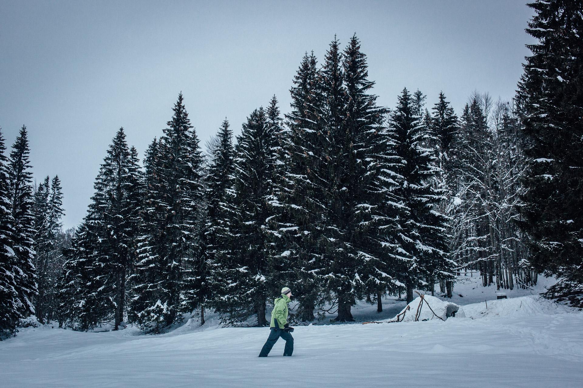 La Pesse, le 26 Janvier 2015. Arnaud, sur le lieux du bivouac, après deux jours passés en stage de survie, dont une nuit passée seul.