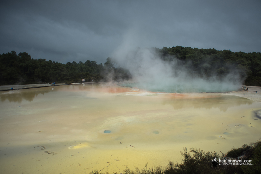 Lake Champagne of Wai-O-Tapu Geothermal Park.