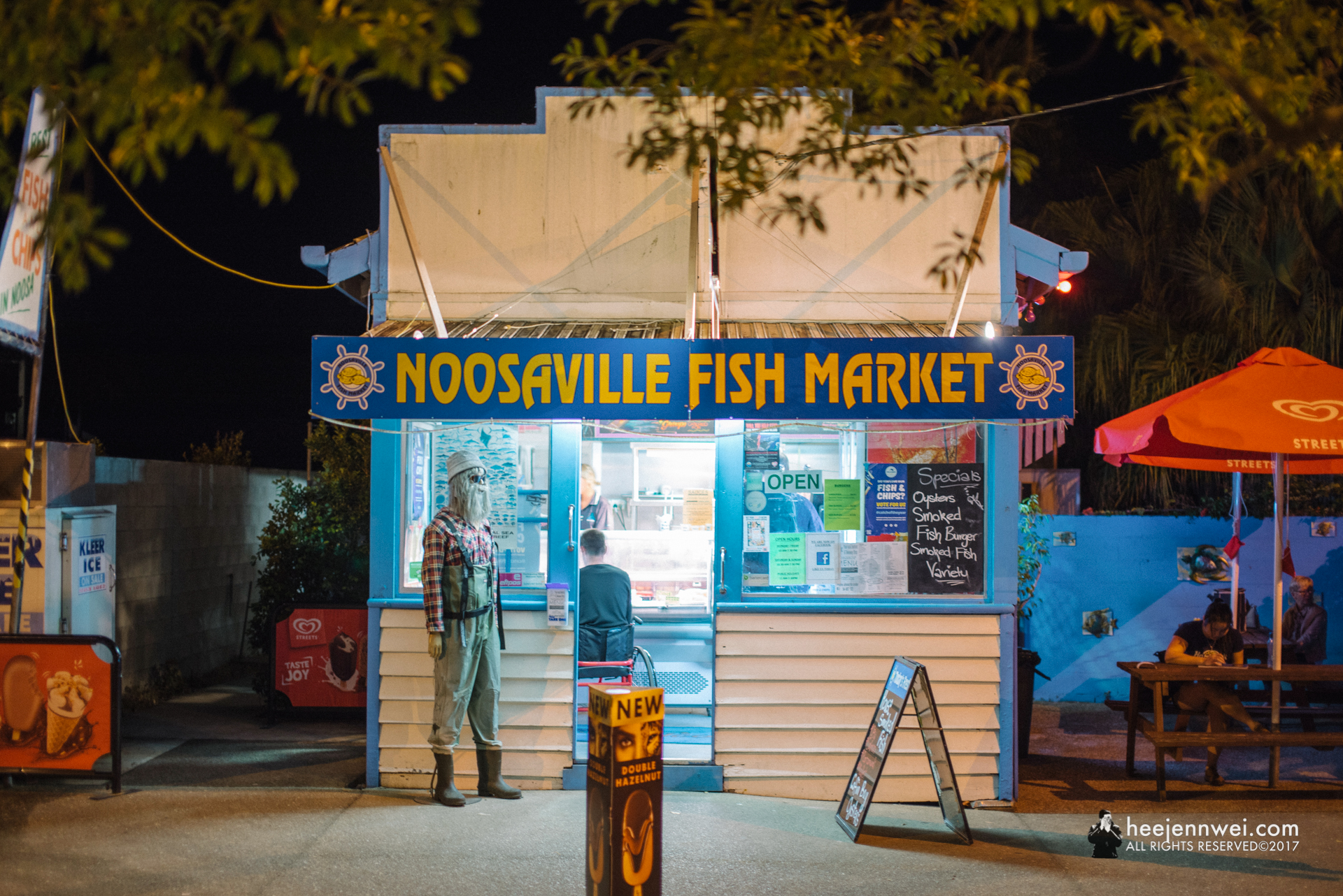 Dinner at Noosaville Fish Market.