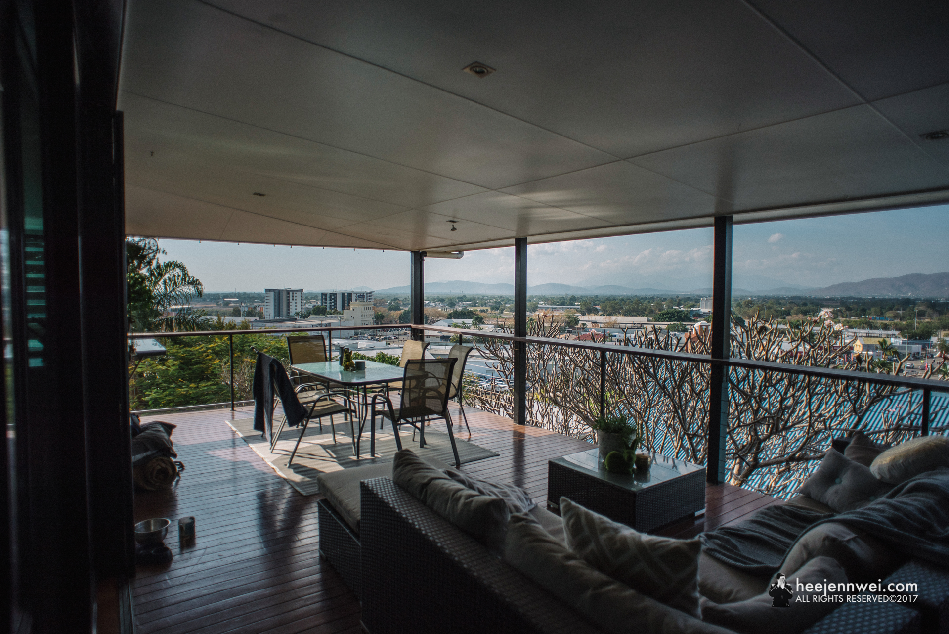 A lovely Airbnb at Townsville, located at the side of Castle Hill with gorgeous view across city towards Mt. Stuart.