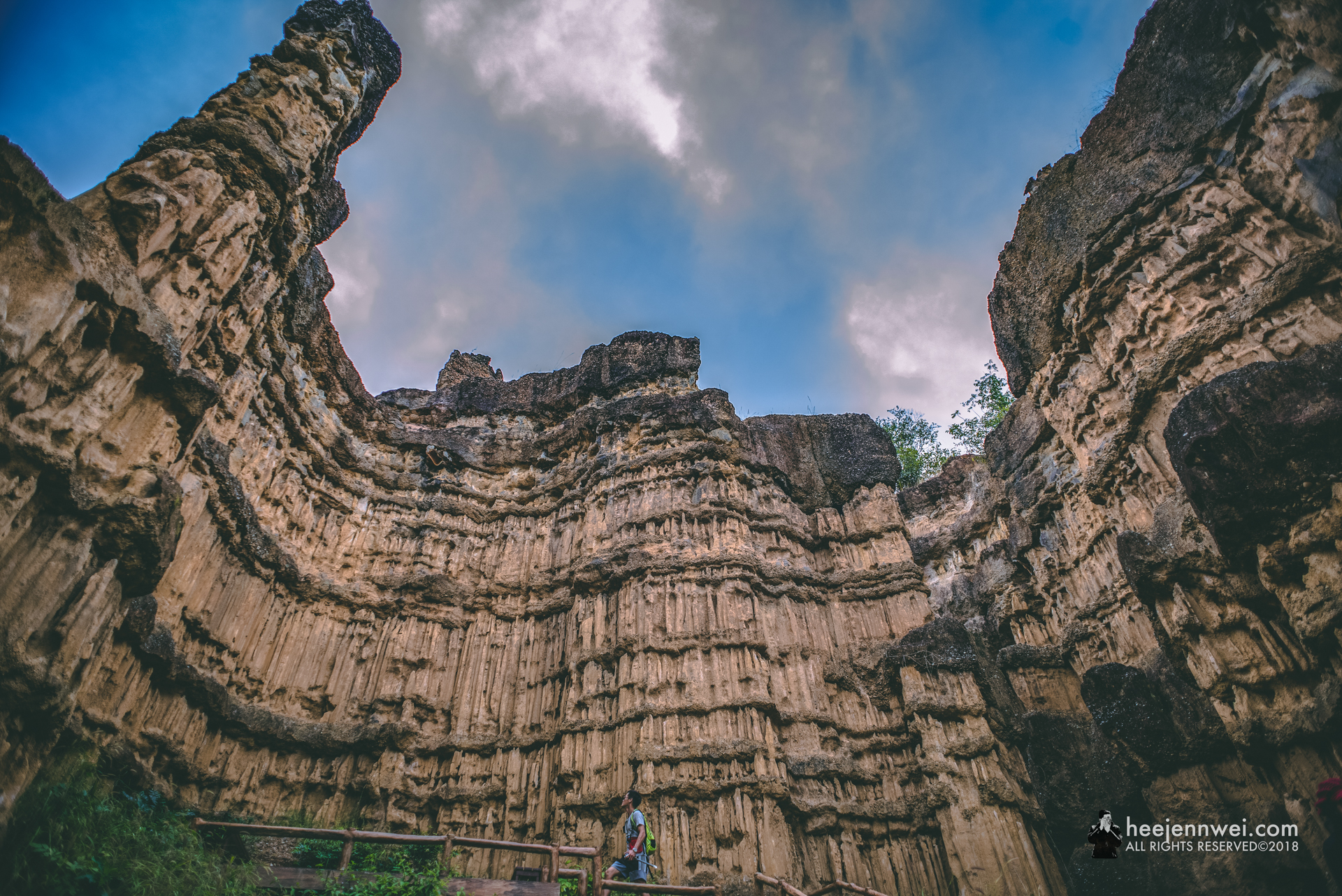 Dwarfed by the yellow 30 metres sandstones.