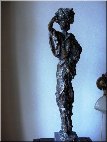 Afrikaanse vrouw, hoogte 60 cm_0.JPG