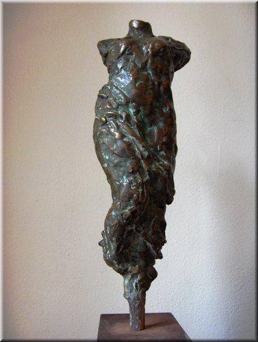 Torso met kleed, hoogte 27 cm.JPG