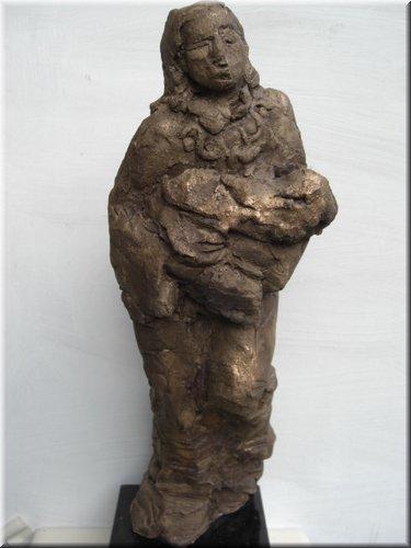 Vluchtelinge met baby, hoogte 42 cm (1).jpg