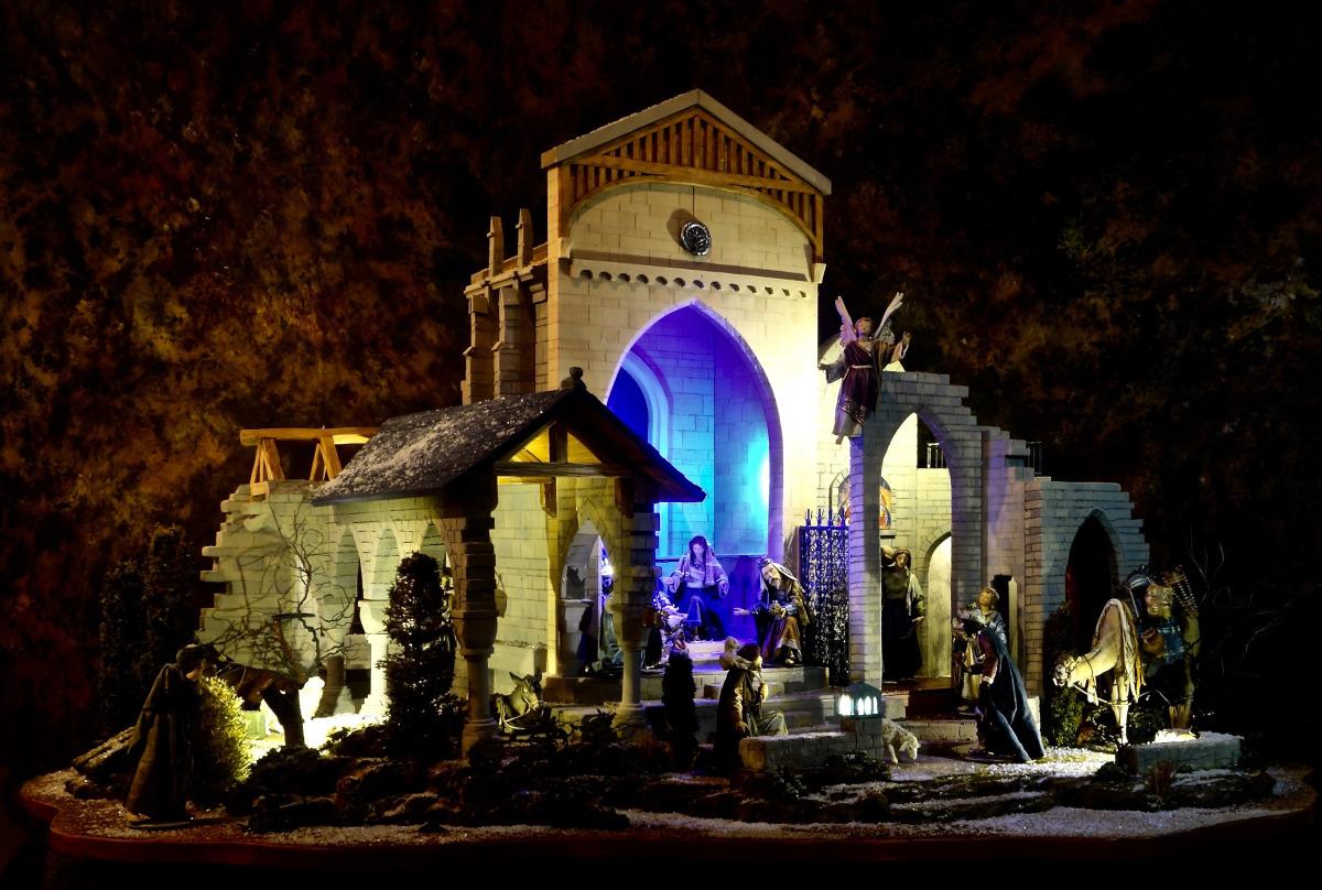 glencairn+nativity3_credit+rosemary+carroll+for+navidad+nativities_300dpi_6x4.jpg