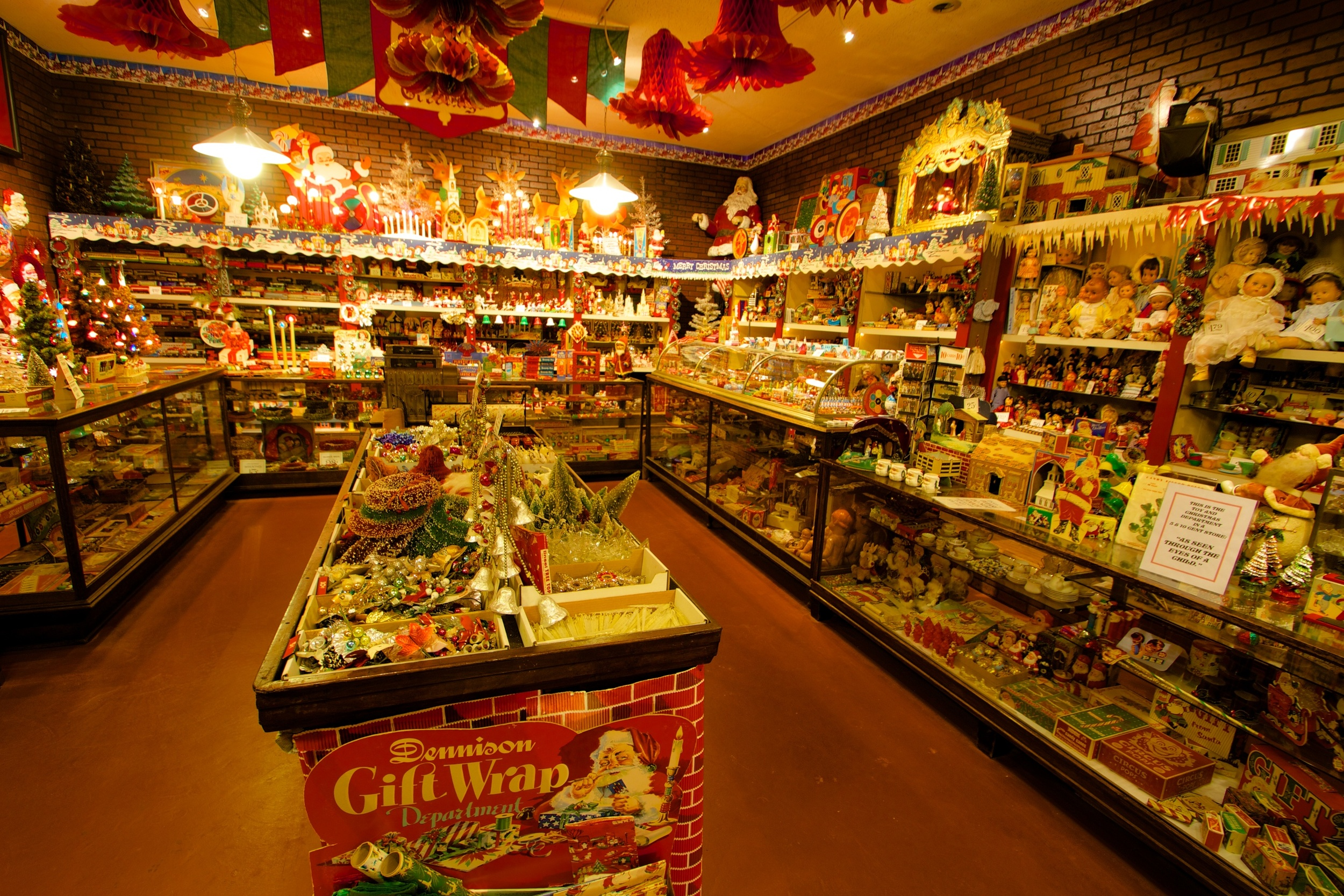 Figure 3: This exhibit at the National Christmas Center recreates an early Woolworths five-and-dime store at Christmastime. The first successful Woolworths opened in Lancaster, Pennsylvania, in 1879.