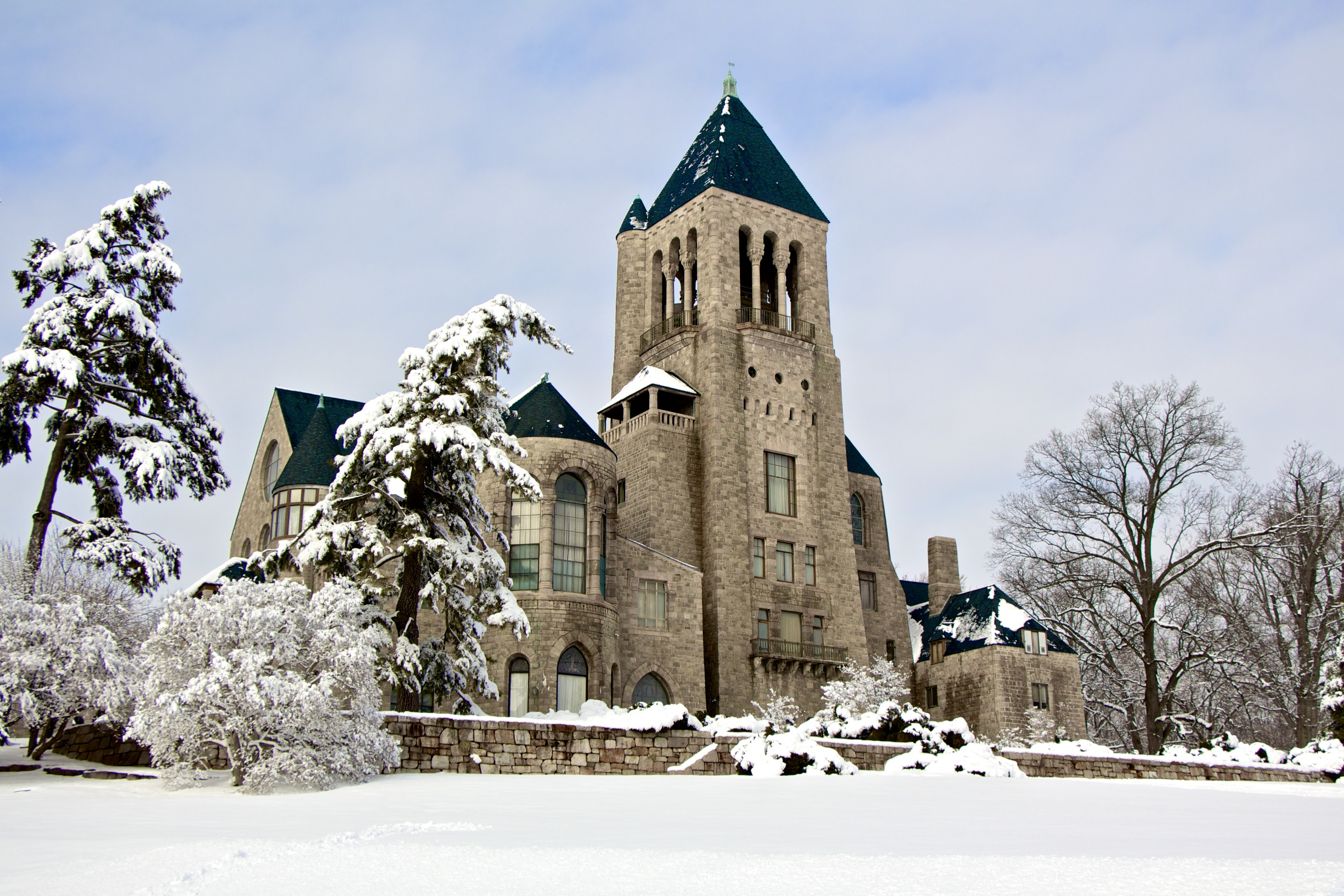 Glencairn Museum in the snow.