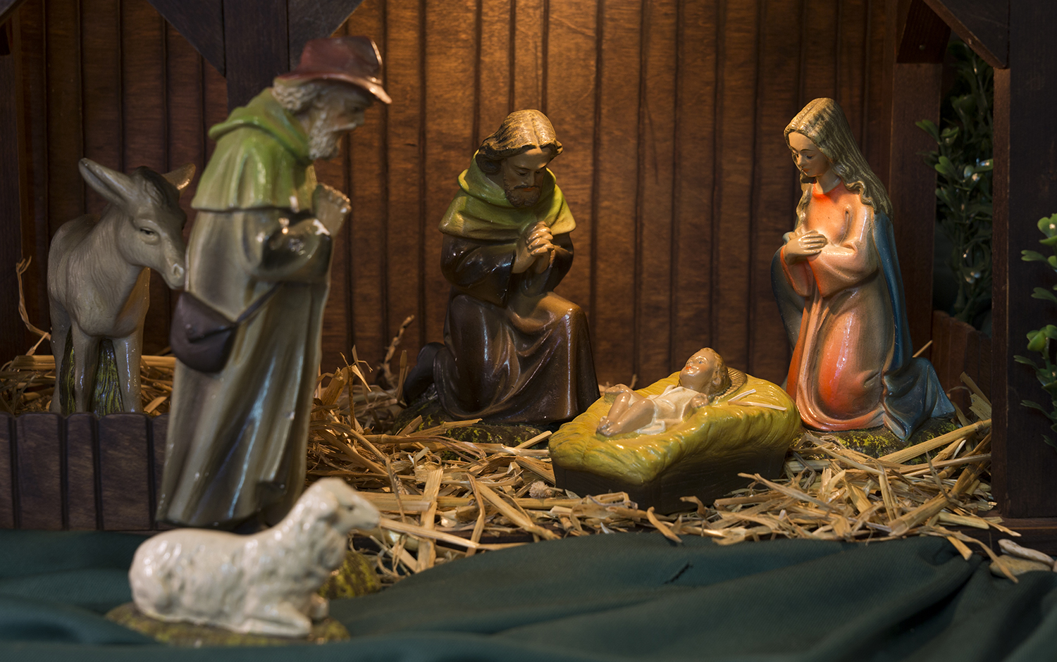 Figure 13:In the years before World War II, Germany was one of the leading exporters of Nativities to the United States. Exports from Germany were discontinued during the war, but production of Nativities resumed immediately thereafter. This Nativity was manufactured in the British Zone of Occupation in northern Germany and exported to the United States between 1945 and 1949. It was used during the Christmas season by a family in Newark, New Jersey, for at least 50 years. The set was displayed in the living room, either under the Christmas tree or on a nearby table.