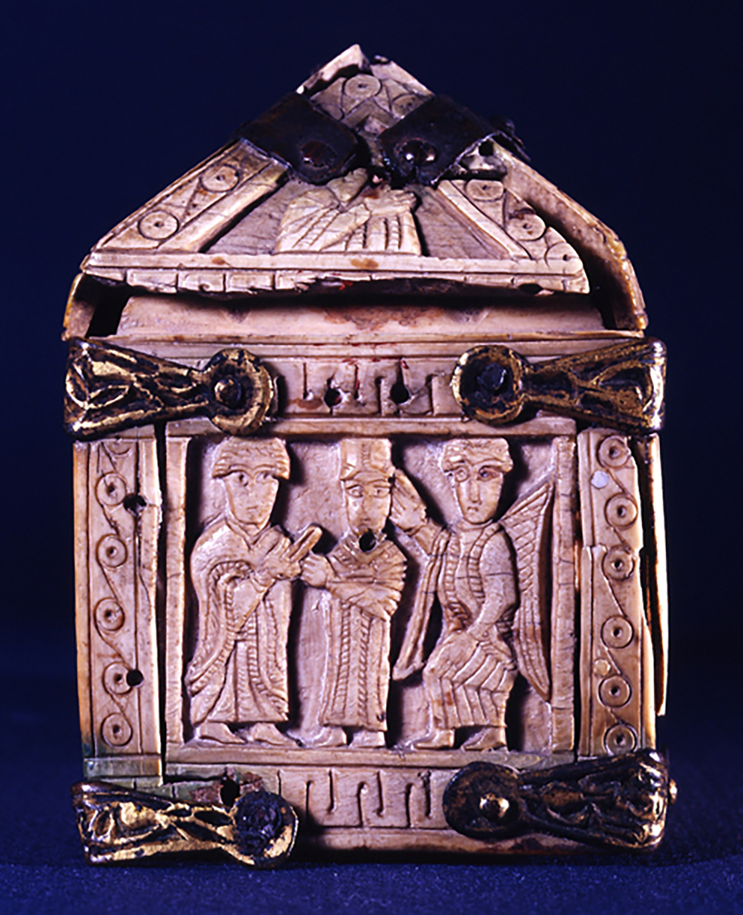 Figure 6: An angel and two other figures on one of the short sides of the box might depict Solomon's meeting with the Queen of Sheba.