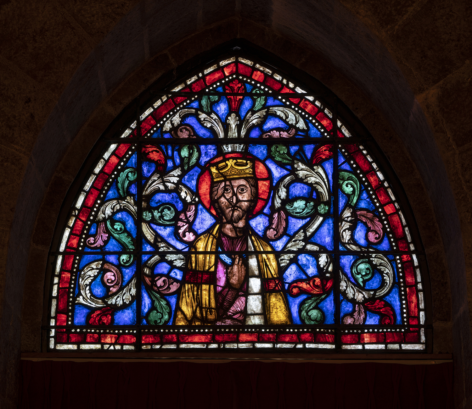 Figure 12: King from a Jesse Tree window, from the axial clerestory window of Soissons Cathedral, c. 1210-1225, now in Glencairn Museum (03.SG.229).