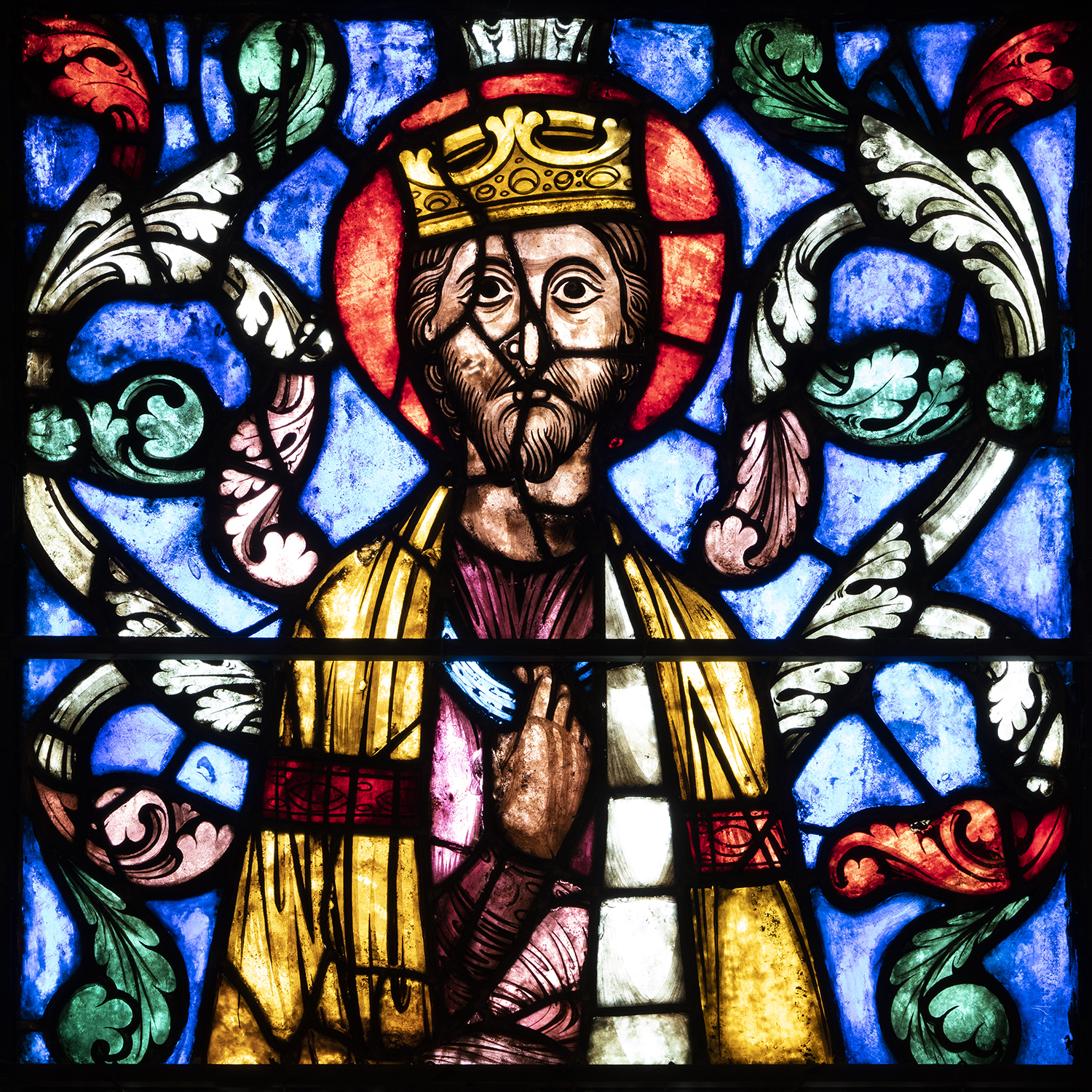 Figure 5: Panel depicting an unidentified king from a Tree of Jesse window, ca. 1210-1215, originally from the Cathedral of Soissons. Glencairn Museum (03.SG.229).