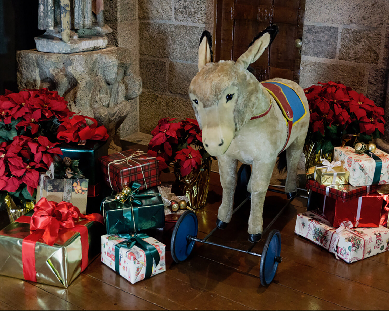 steiff-donkey Christmas page.jpg
