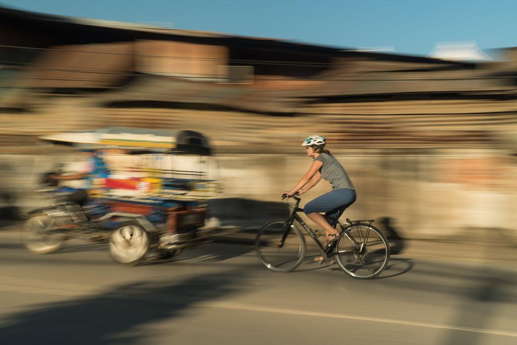 Explore Lao Markets