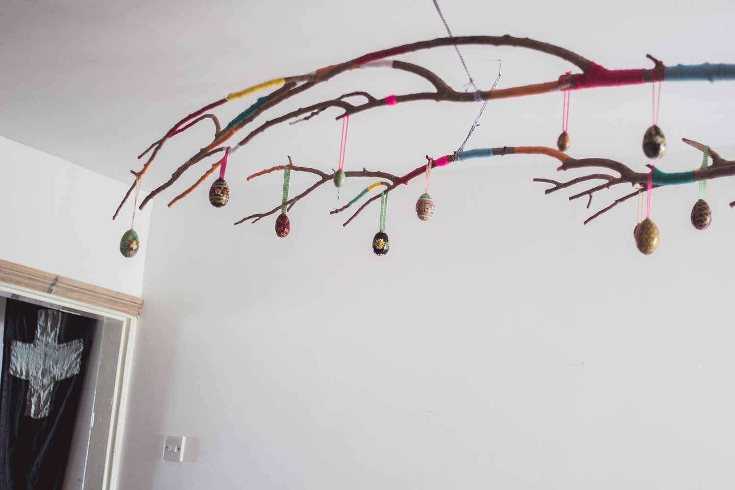 Easter+branch,+Spring+decorating+|+Seeds+and+Stitches+blog-2.jpeg