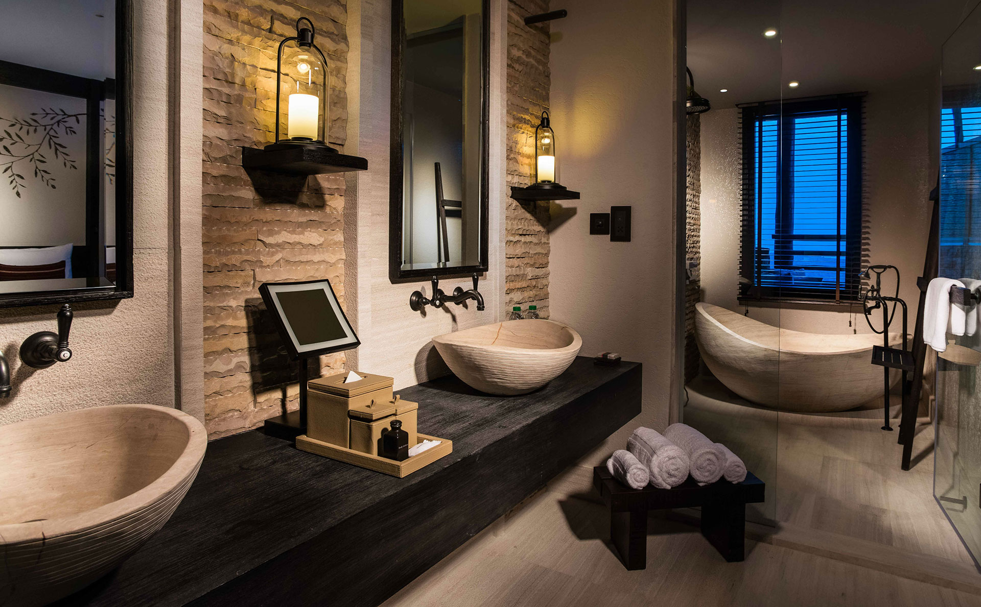 Alila-bathroom.jpg