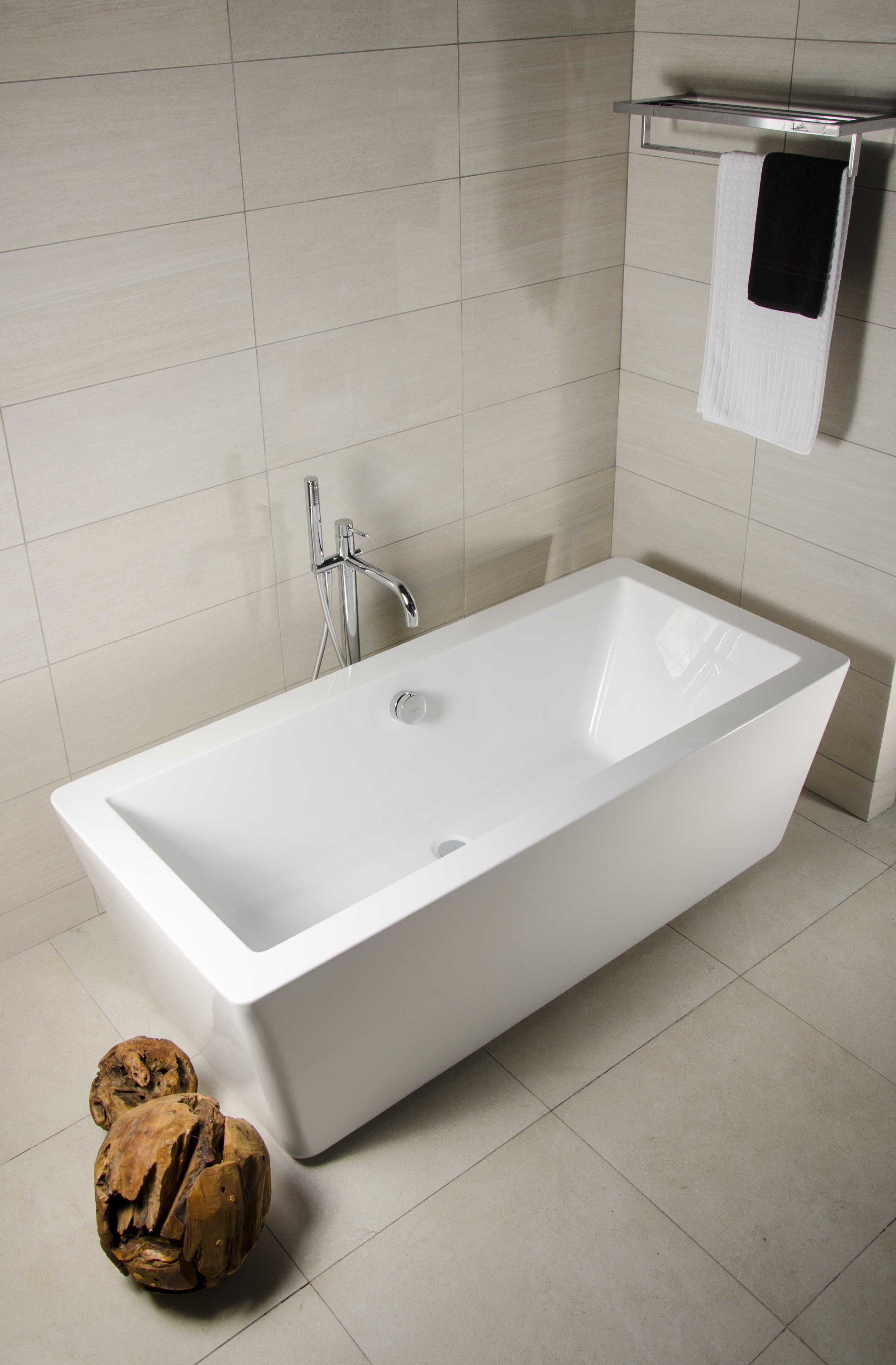 Smooth Bath Tub (1).jpg