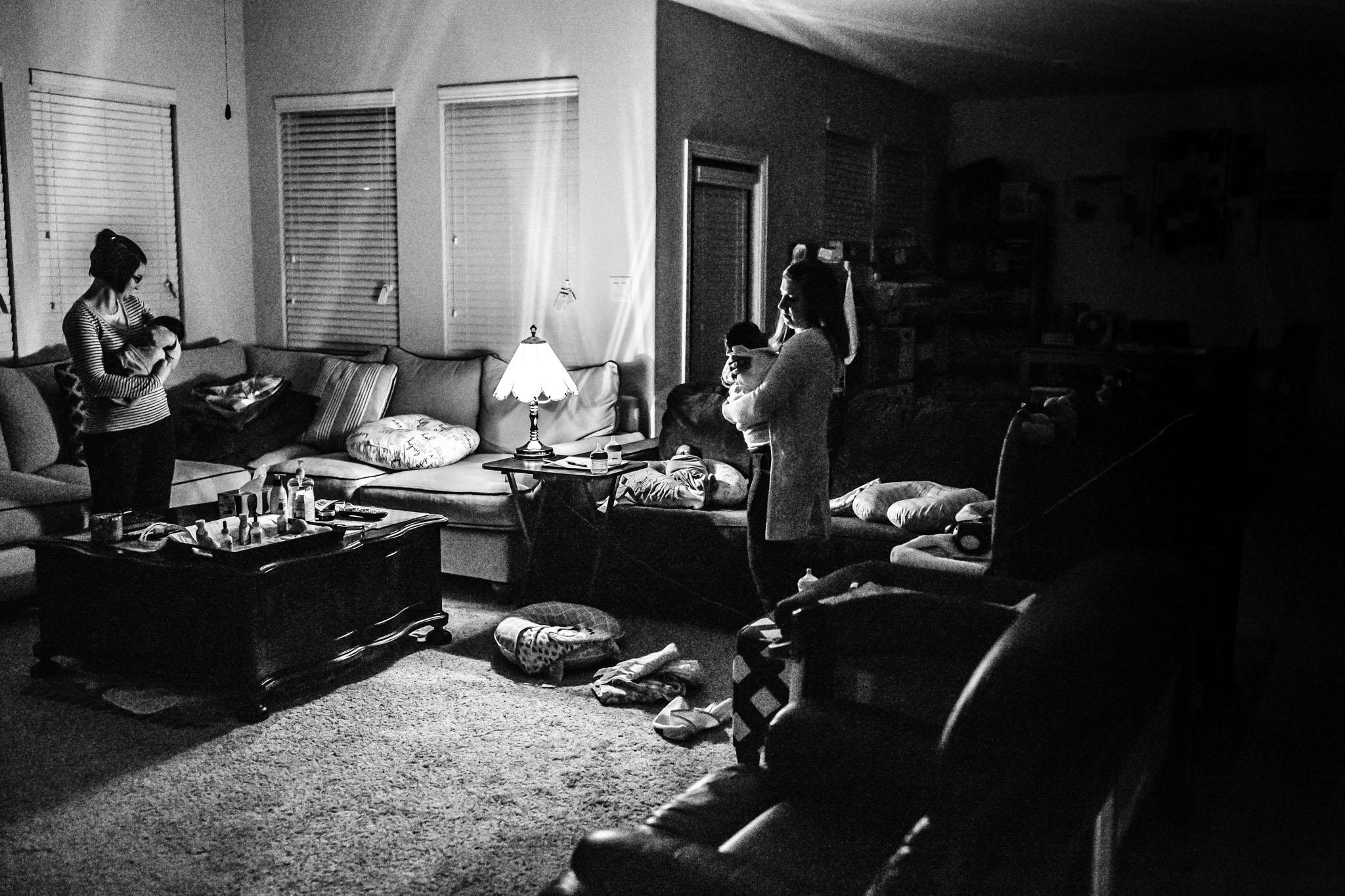 The_Night_in_the_life_ofa_postpartum_doula_KEDocumentary_Dallas11.jpg