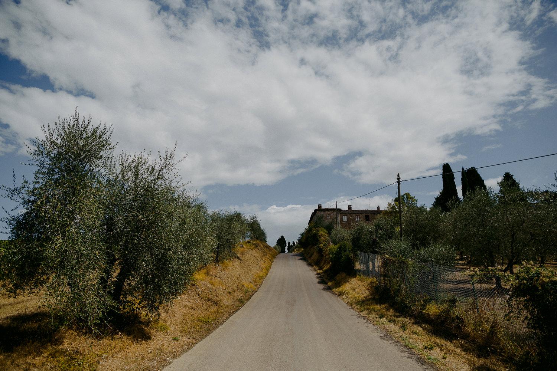 00004_villa-catignano-tuscany-wedding.jpg