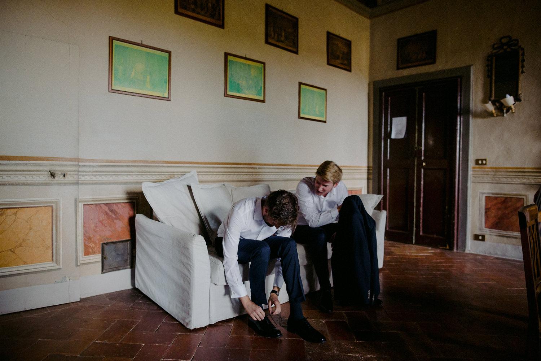 00052_villa-catignano-tuscany-wedding.jpg