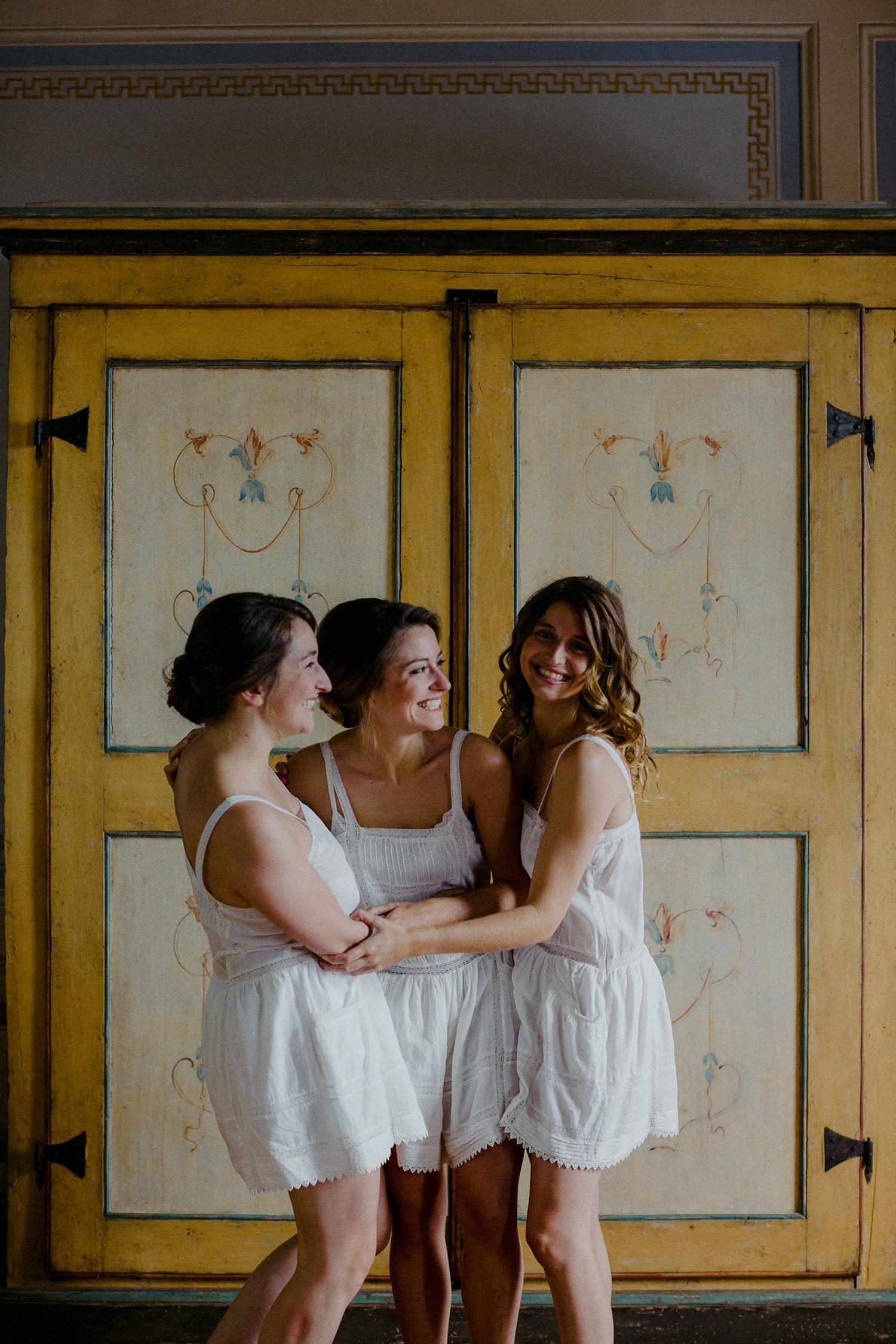 00064_villa-catignano-tuscany-wedding.jpg