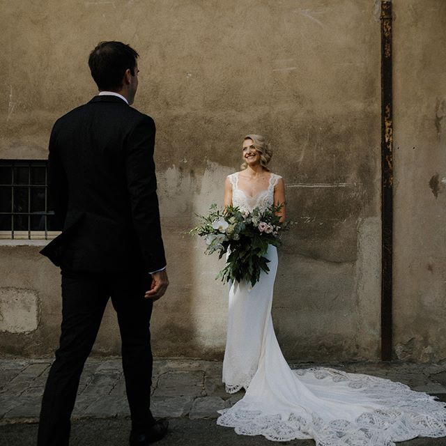 We've been quite for a while but it's time to get back on the Instagram wagon with this pic of Jessica & James 🙌🏼 #umbriawedding #perugia #borgia #destinationweddingitaly #italyweddingphotographer #destinationwedding #weddinginitaly #weddinginspo #togetherjournal #tuscanywedding