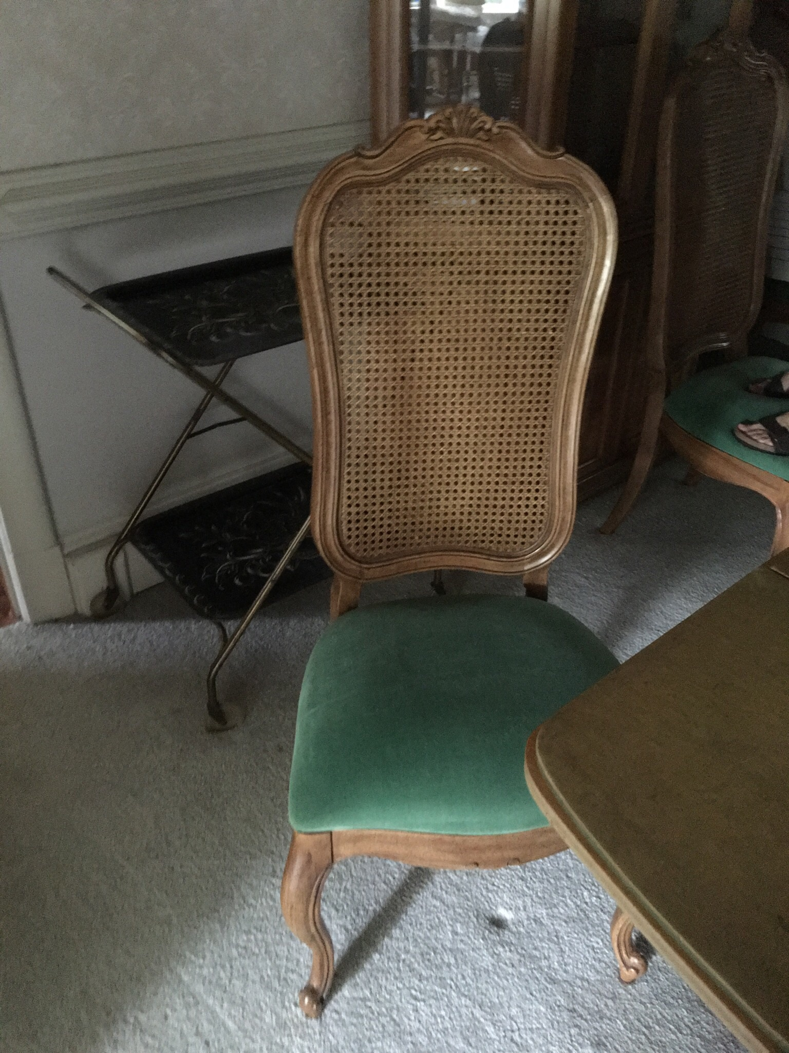6 Dining Toom chairs plus dining room table