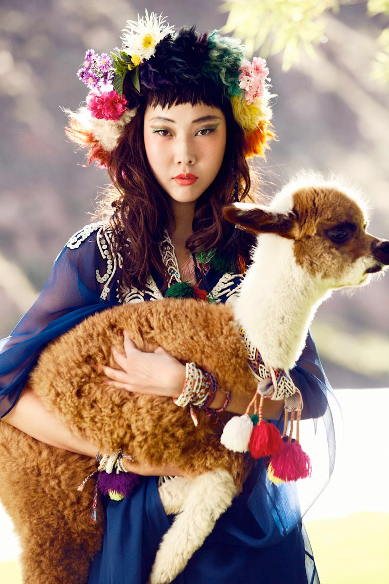 5-south-korean-actress-han-hye-jin-photographed-in-colors-of-peru-by-alexander-neumann-for-vogue-korea-july-2012-fashion-magazine-summer-issue.jpg