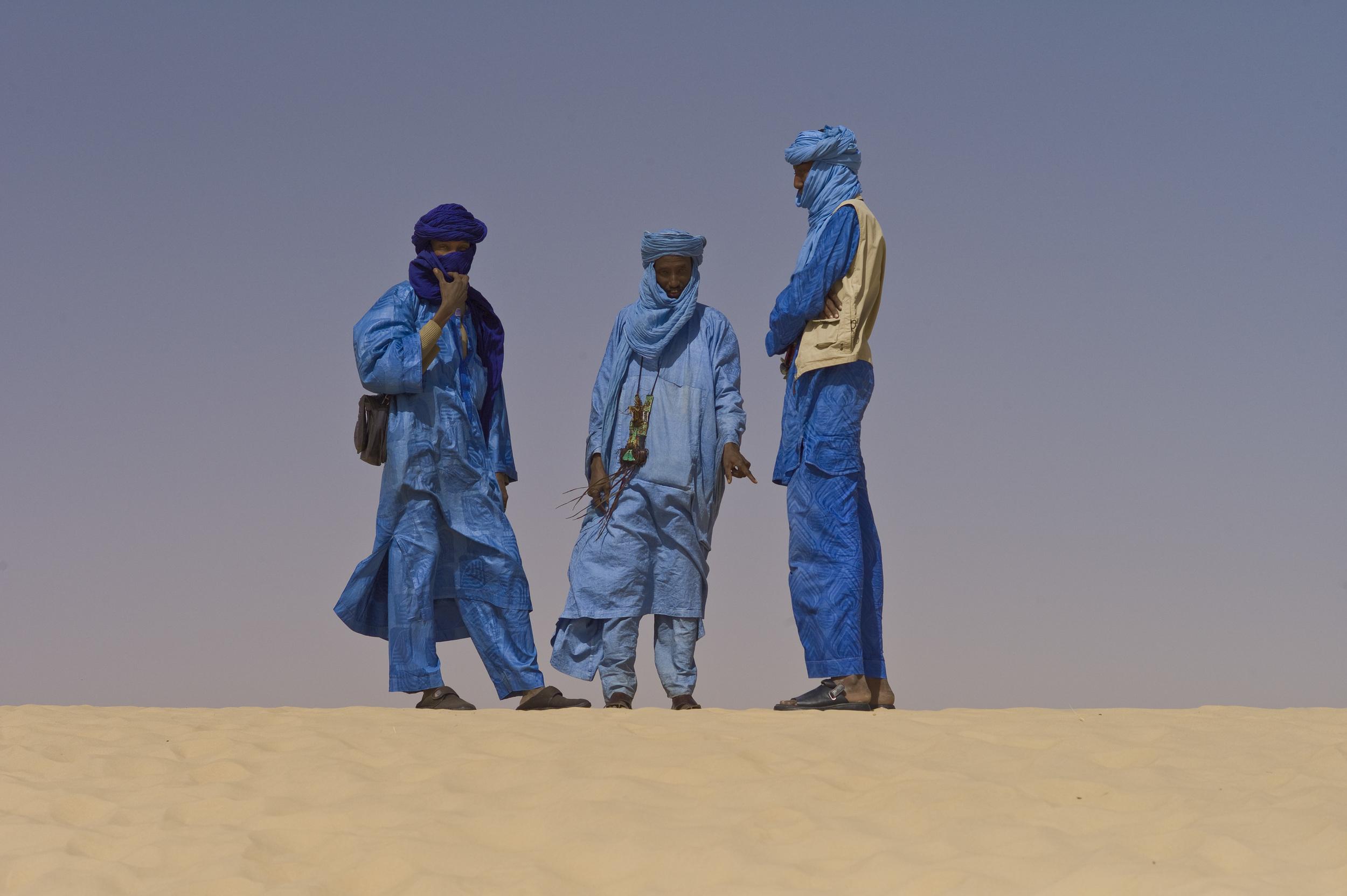 Touaregs_at_the_Festival_au_Desert_near_Timbuktu,_Mali_2012.jpg