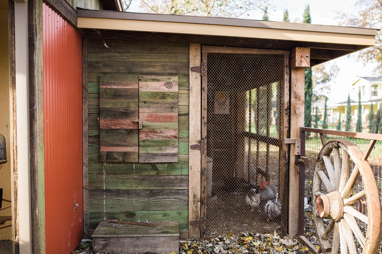 airehart-construction-chico-farm-house-rustic-15.jpg
