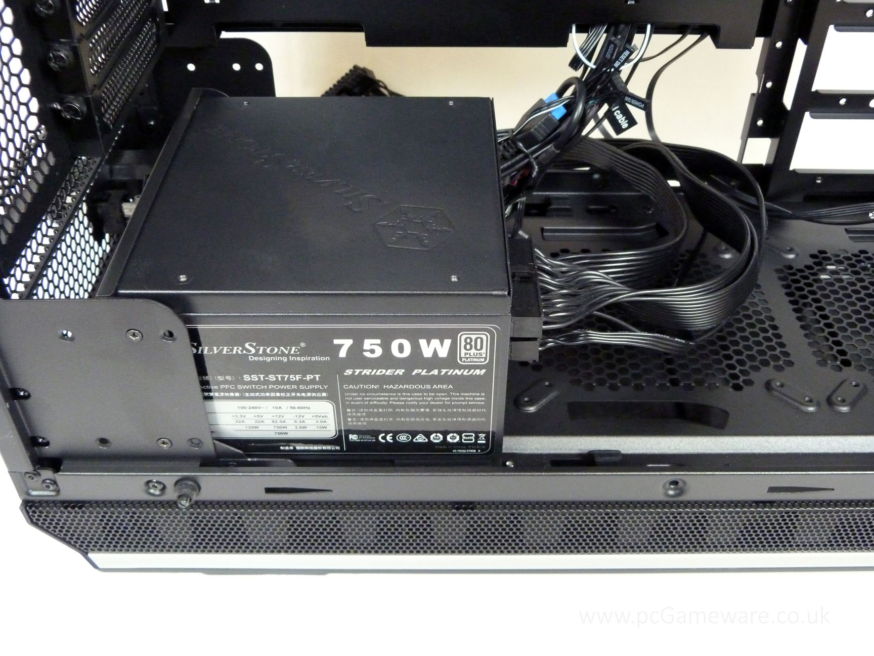 be-quiet-Dark-Base-Pro-900-PSU-installed-case.jpg