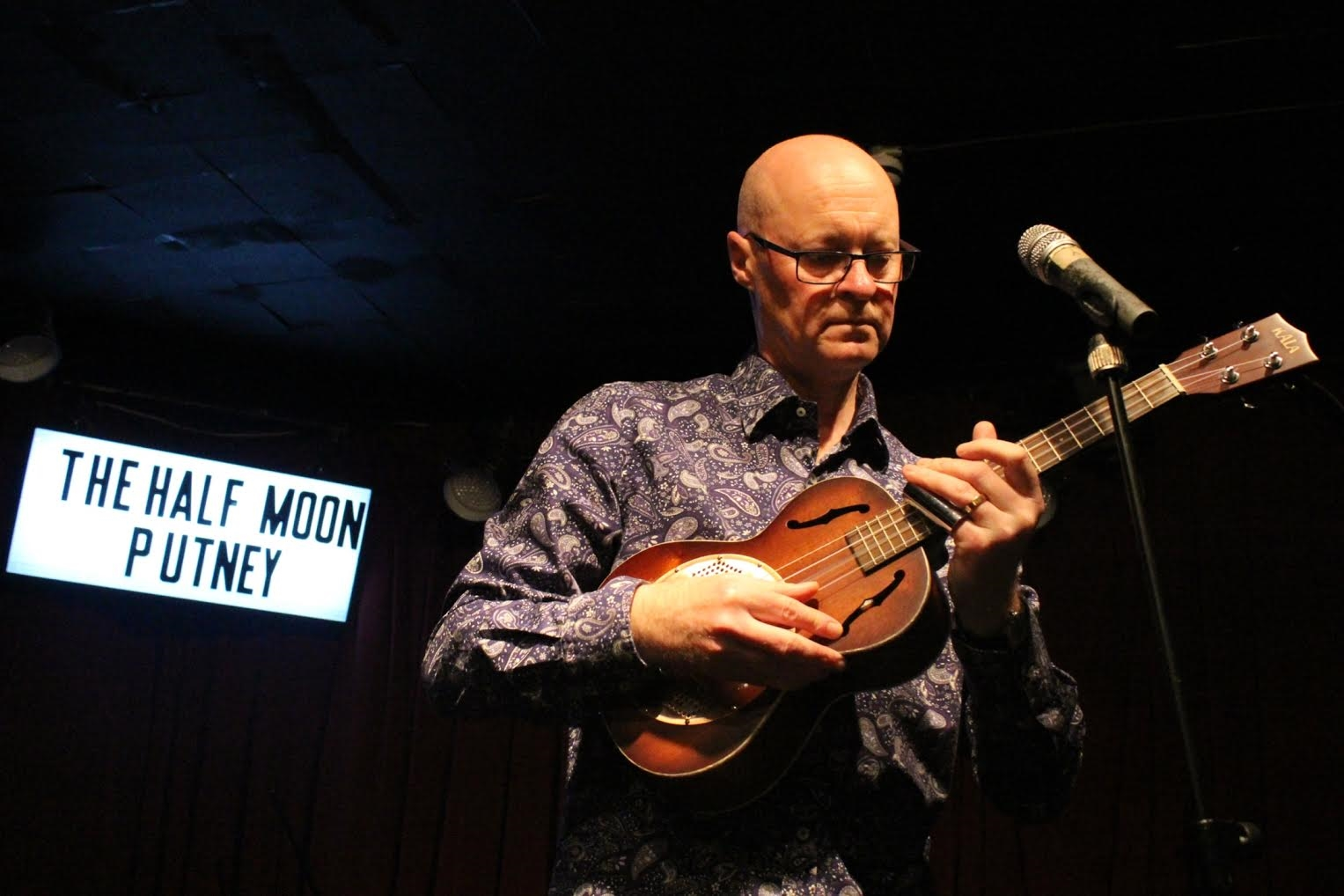 ukulele teacher terry smith