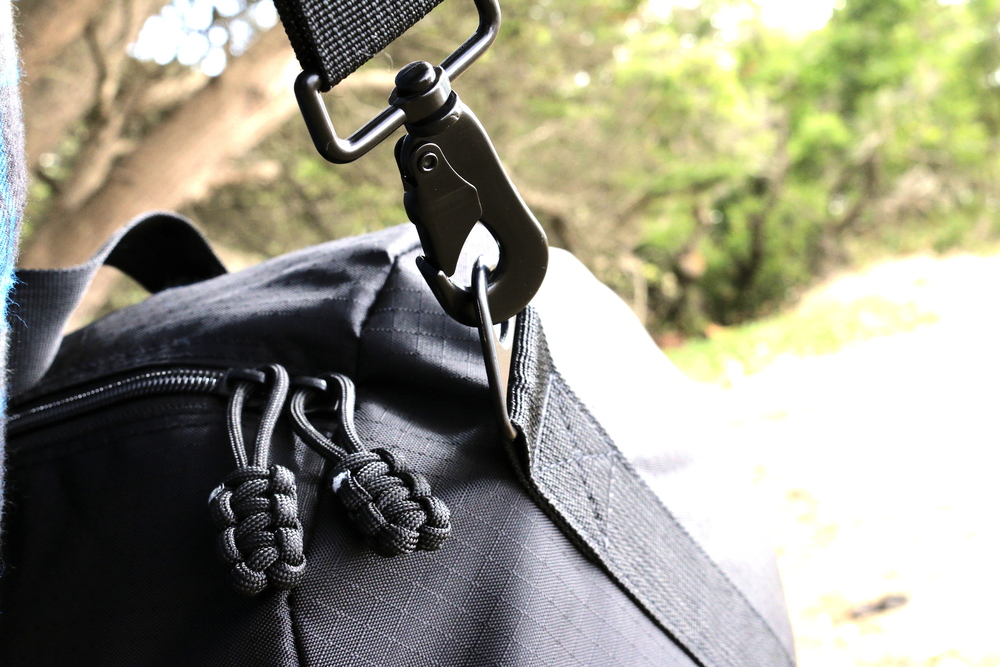 Military-Clips-on-Duffle-Bag