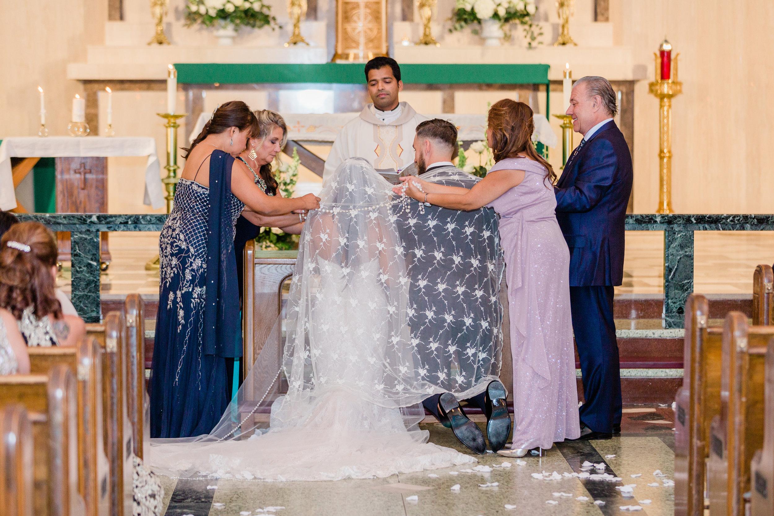 Raedawn and George - Married - Sneak Peeks - Lauren Alisse Photography-27.jpg