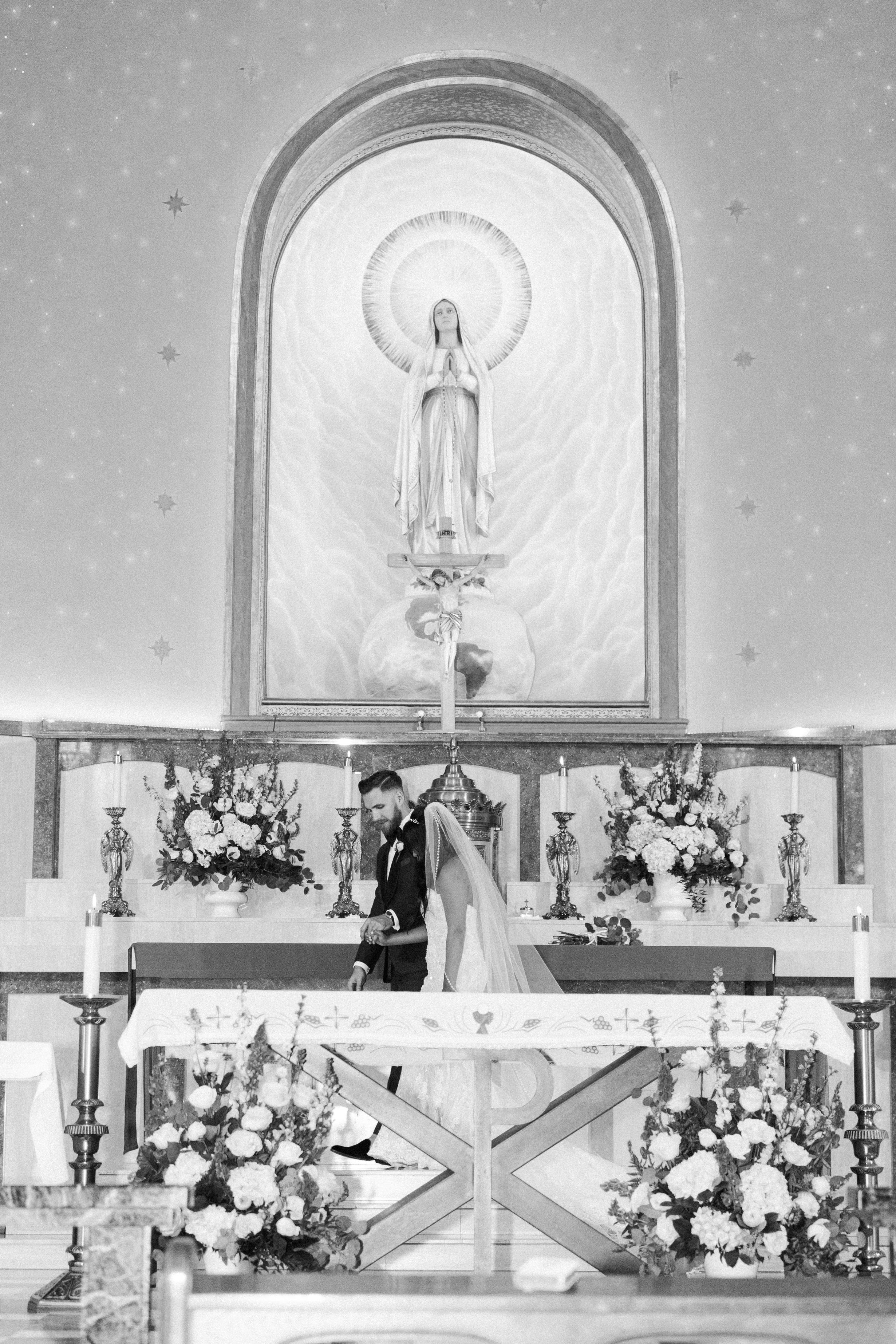 Raedawn and George - Married - Sneak Peeks - Lauren Alisse Photography-57.jpg