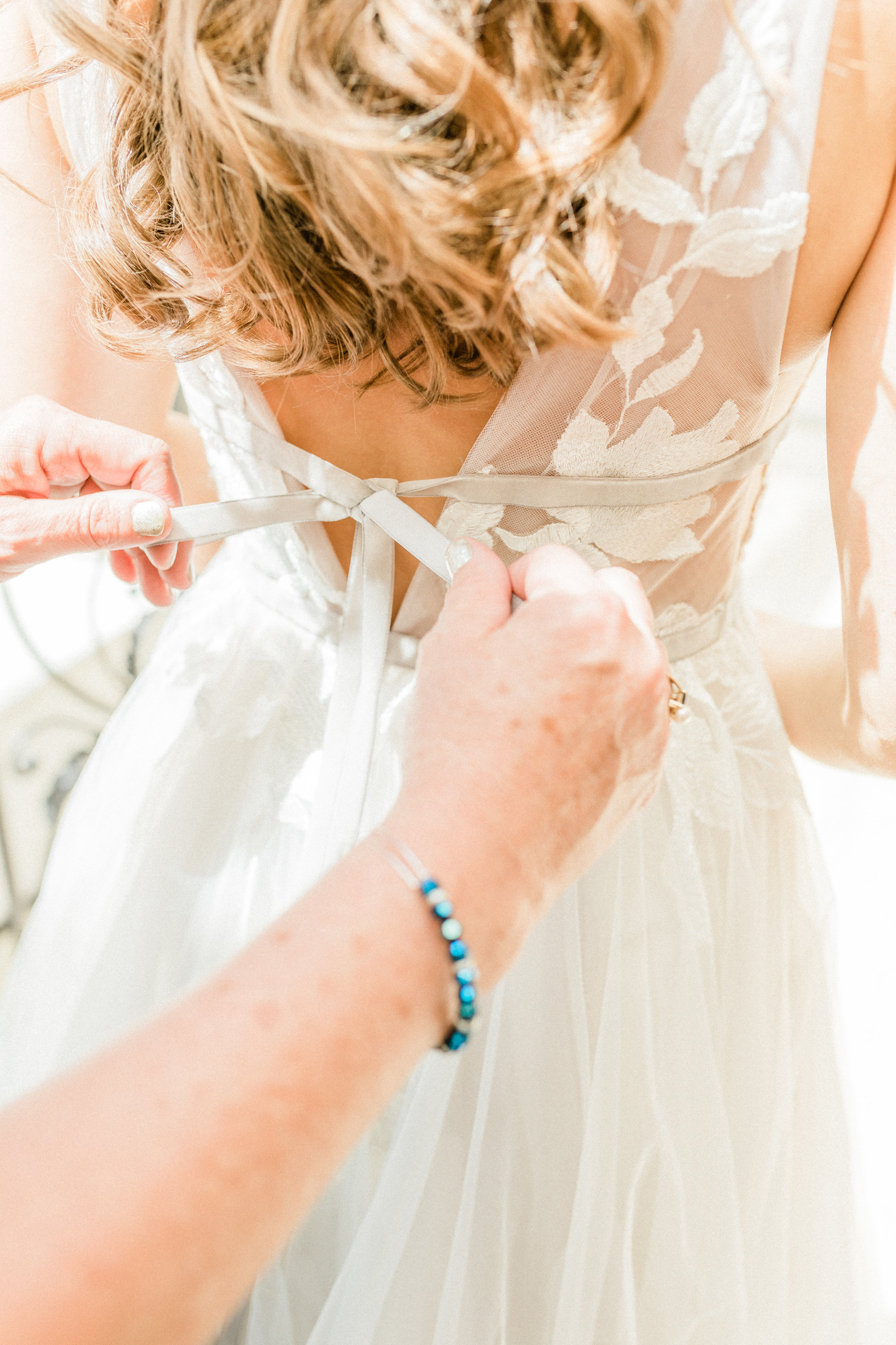 Mallory and Aaron - Married - Sneaks - Lauren Alisse Photography-11.jpg