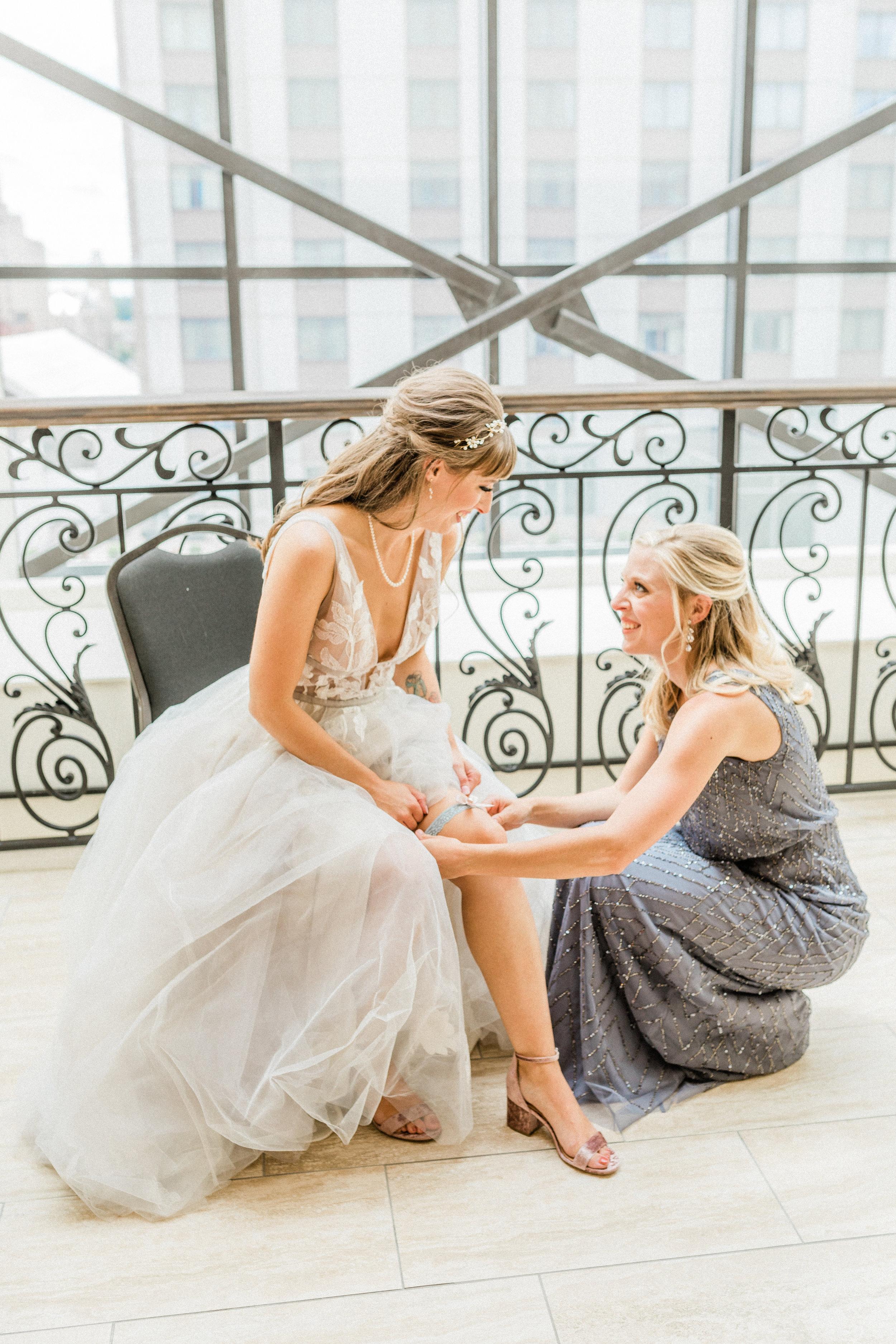 Mallory and Aaron - Married - Sneaks - Lauren Alisse Photography-14.jpg