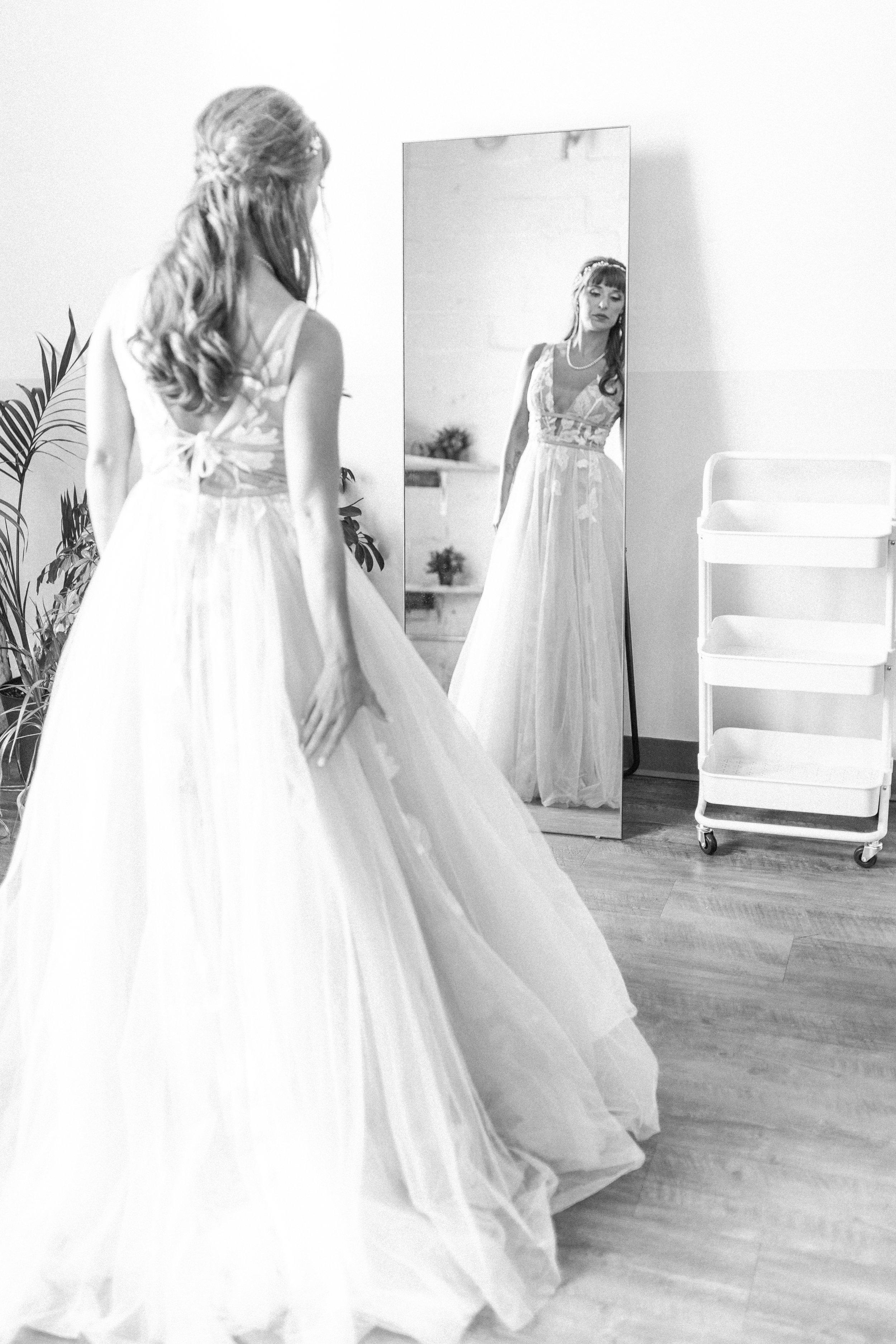 Mallory and Aaron - Married - Sneaks - Lauren Alisse Photography-25.jpg