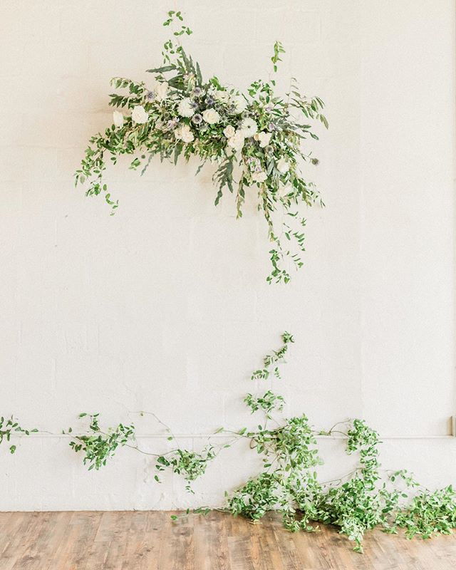 I just love the simple elegance of florals and white brick. It's so sophisticated and romantic, yet not too over the top. Swipe to the second photo to see how the bride and groom's personal wedding style totally tired into their loft wedding design.  #weddinginspo #weddinginspiration  _  Photographer | @laurenalissephotography  Venue | @arborvenues  Wedding Planner and Owner of Arbor Loft | @agathico  Florist | @pistilandpollen  Hair and Makeup | @blushbeautyroc  Invitation Suite | @ginatyler_creations  Caterer | @hoganshideaway  Cake | @scratchbakeshoproc  DJ | @encoreevents  Quartet | @quartet442  Dress | @lovelybriderochester  Officiant | Bri DeLorenzo  Vintage Furniture Rentals | @revivalrental  _  #rochesterwedding #rochesterweddingphotographer #destinationweddingphotographer #newyorkwedding #newyorkweddingphotographer #loftwedding #minimalistwedding #weddinginspo #sacramentoweddingphotographer