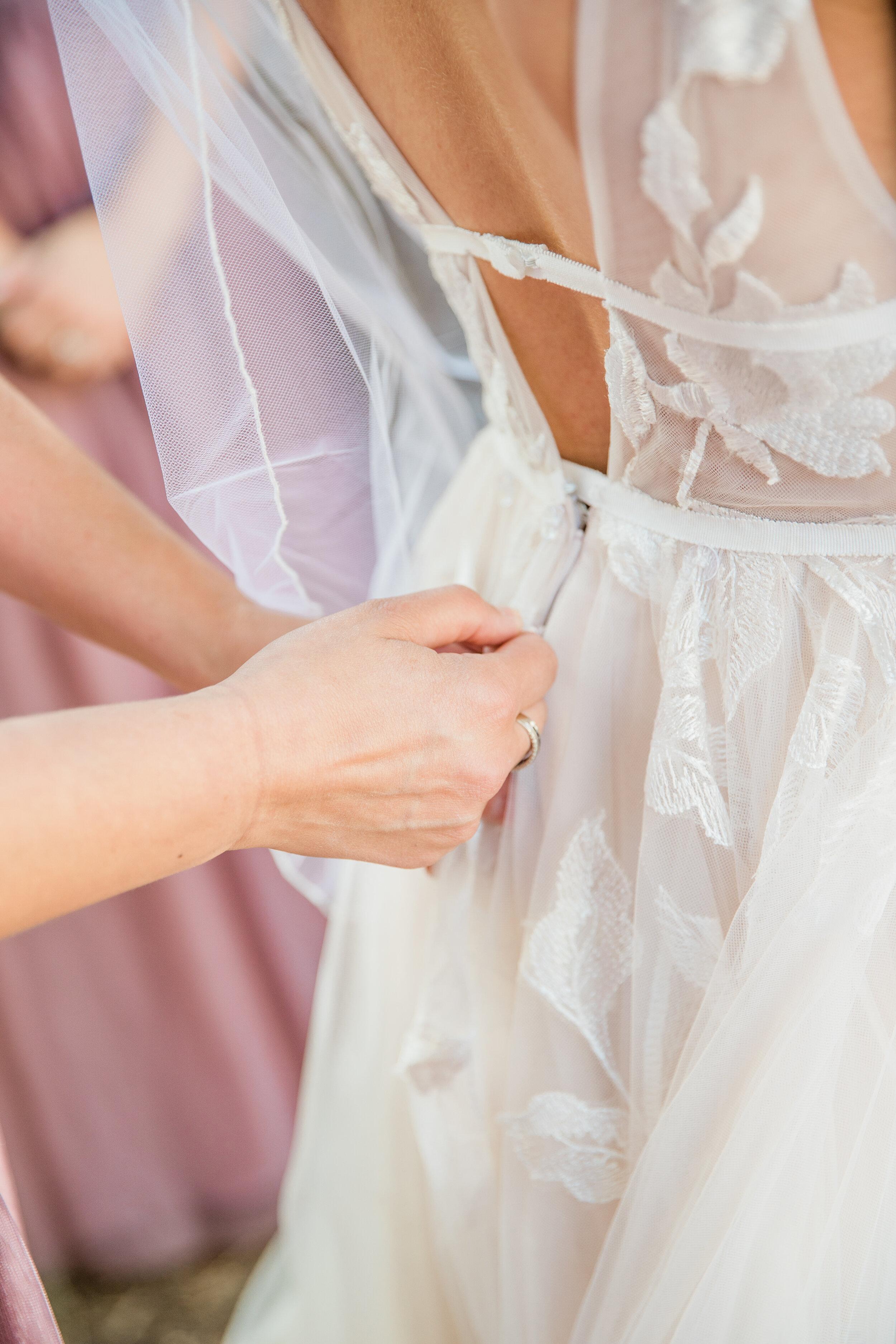 Leanne and Joe - Married - Sneak Peeks - Lauren Alisse Photography-10.jpg