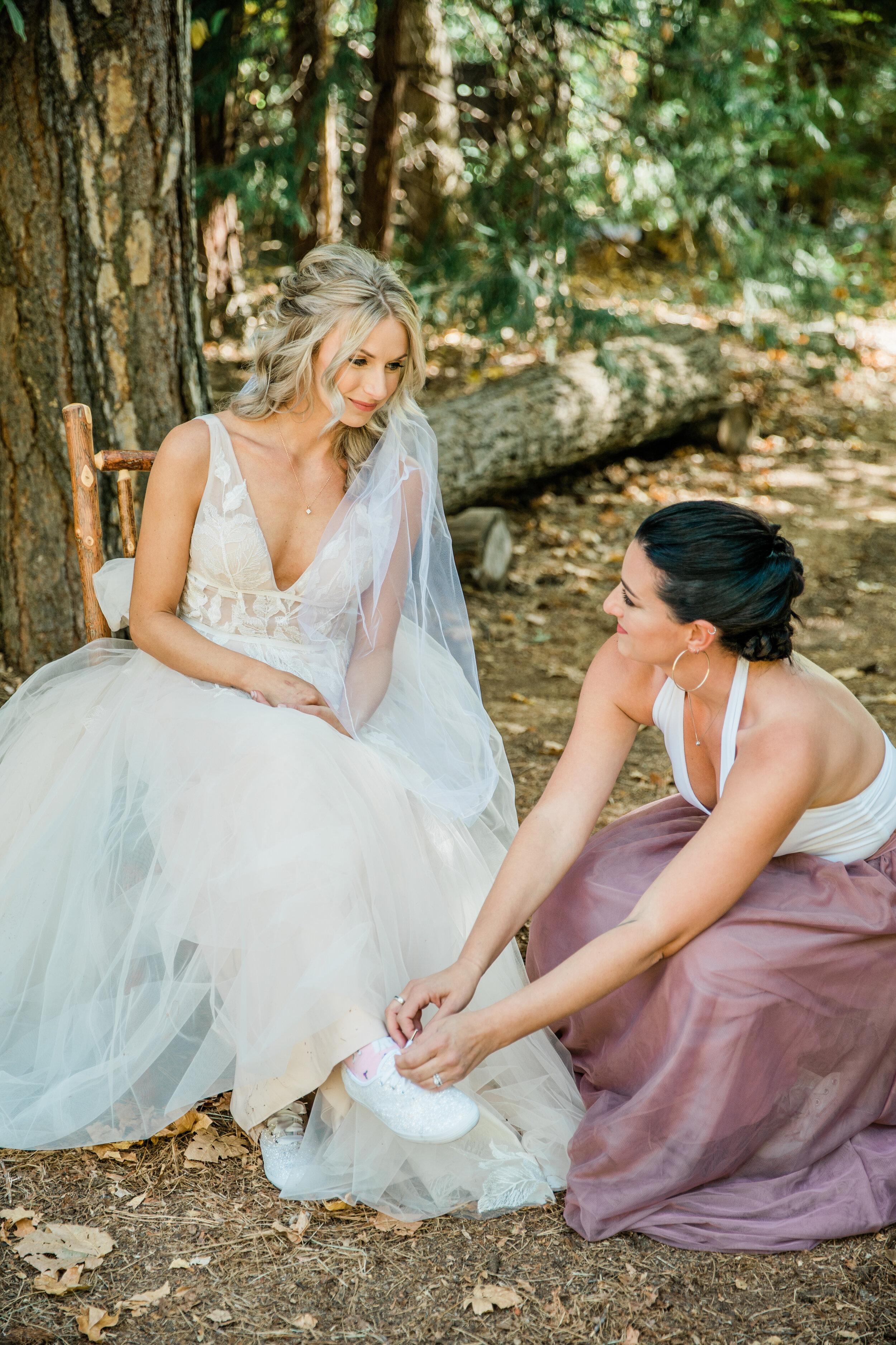 Leanne and Joe - Married - Sneak Peeks - Lauren Alisse Photography-12.jpg