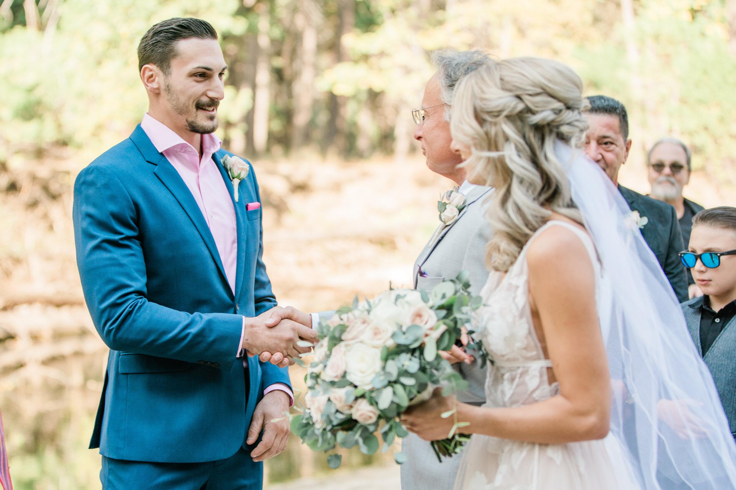 Leanne and Joe - Married - Sneak Peeks - Lauren Alisse Photography-15.jpg