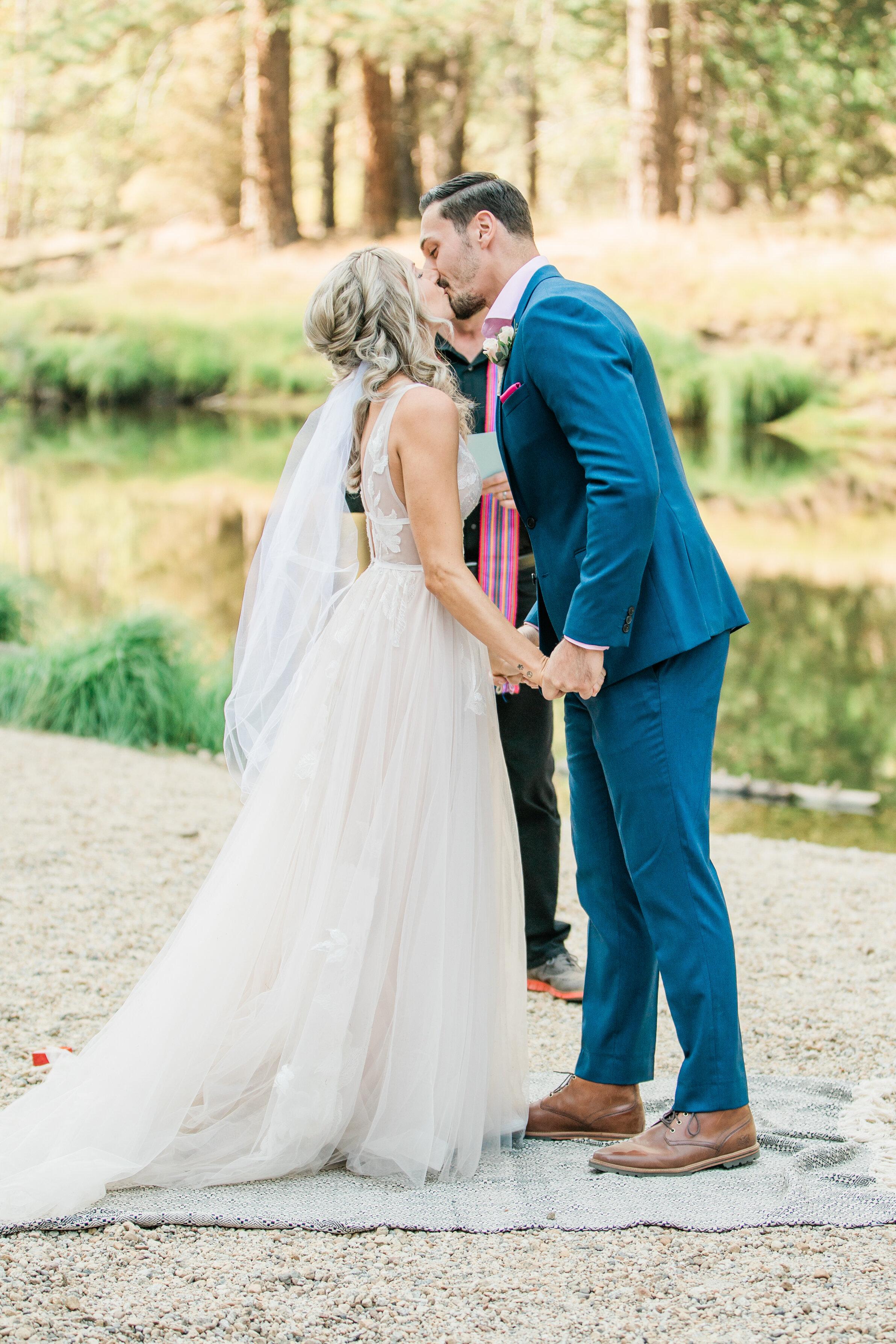 Leanne and Joe - Married - Sneak Peeks - Lauren Alisse Photography-19.jpg