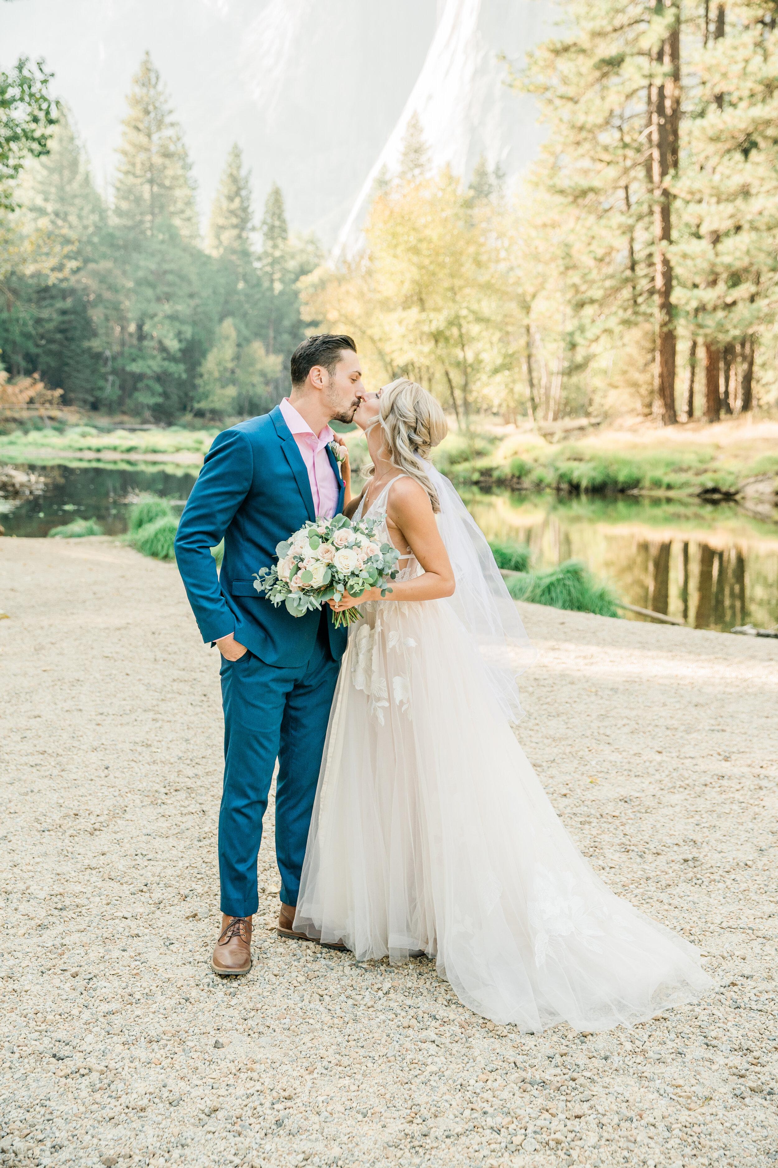 Leanne and Joe - Married - Sneak Peeks - Lauren Alisse Photography-26.jpg