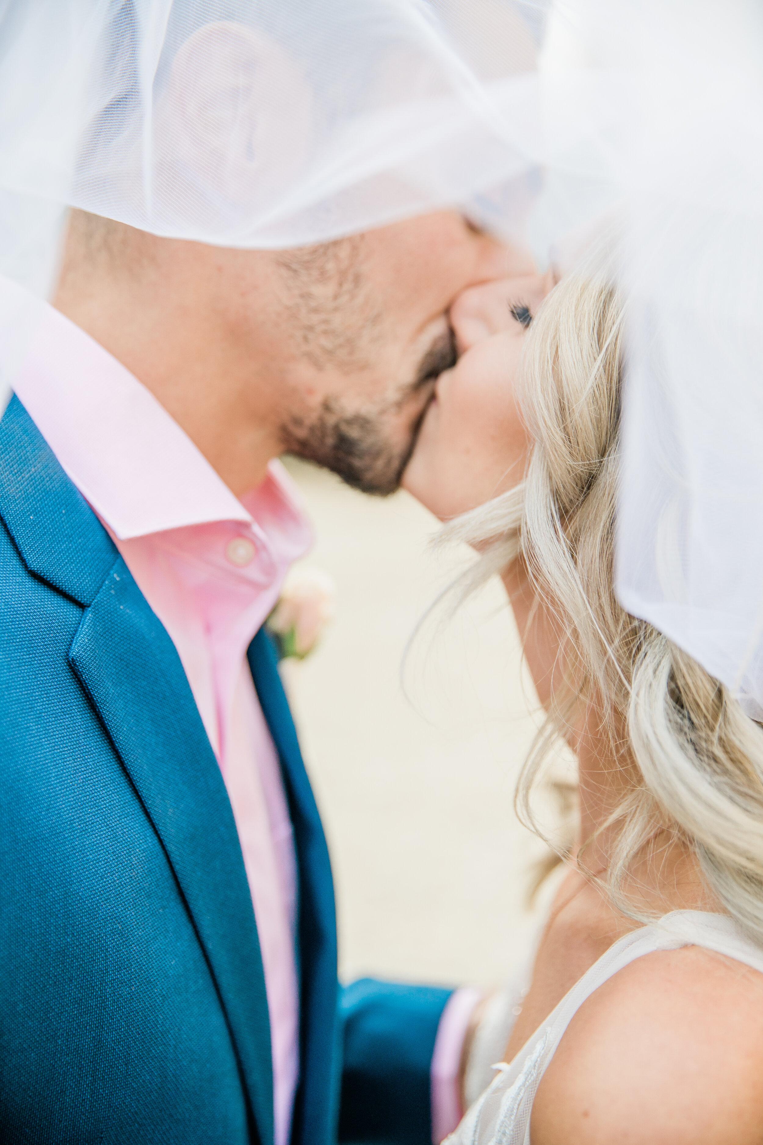 Leanne and Joe - Married - Sneak Peeks - Lauren Alisse Photography-29.jpg