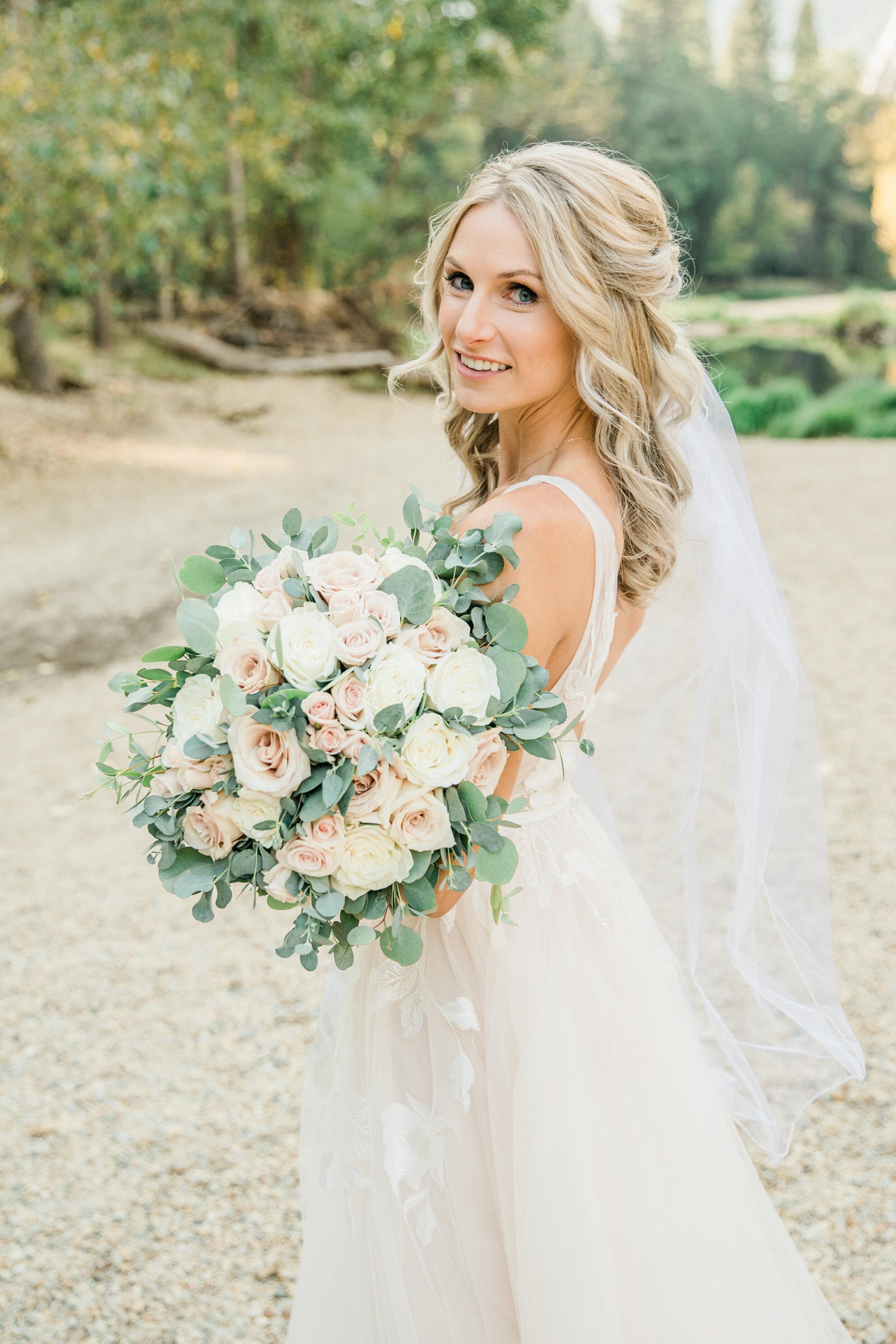 Leanne and Joe - Married - Sneak Peeks - Lauren Alisse Photography-31.jpg