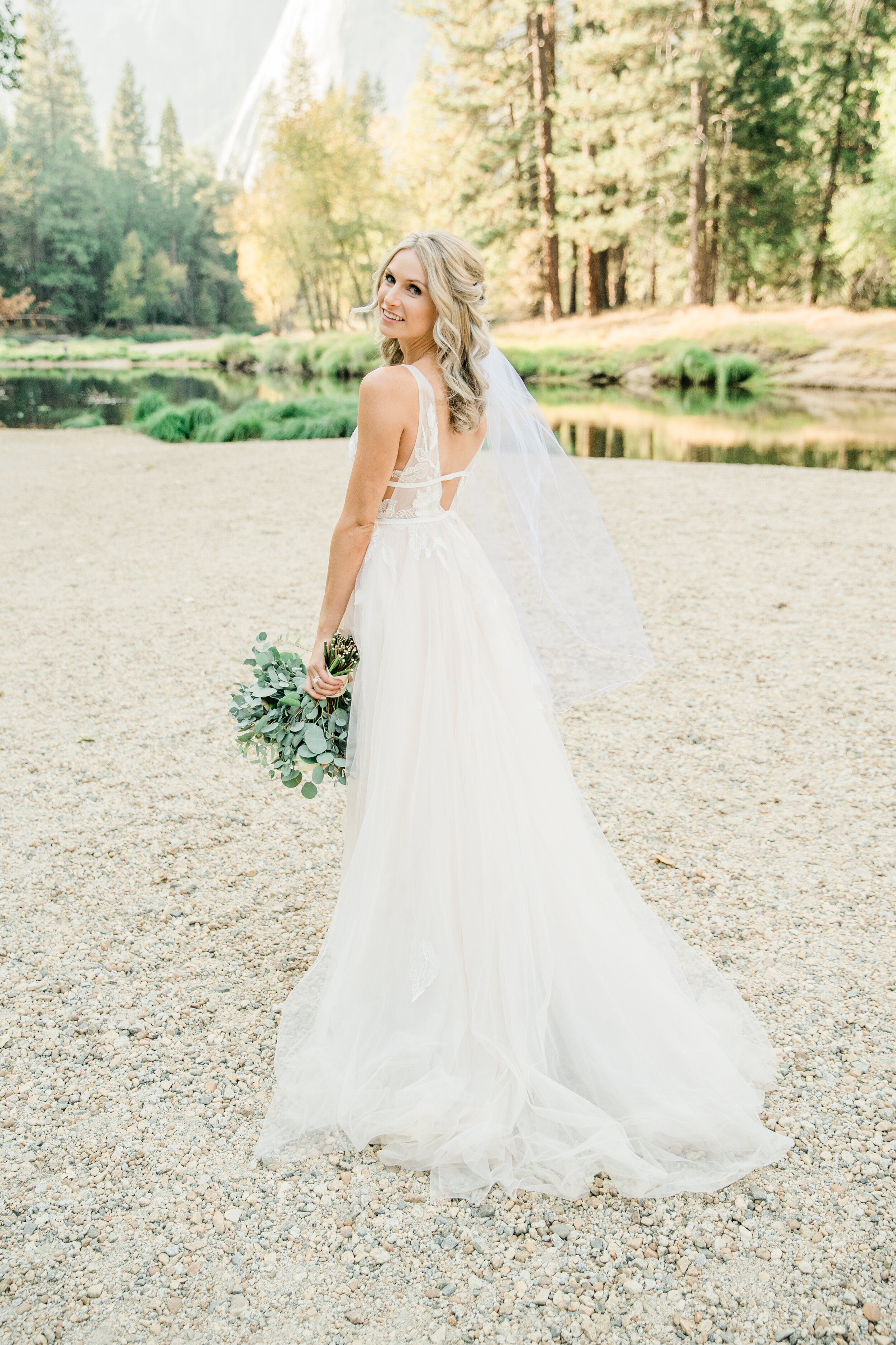 Leanne and Joe - Married - Sneak Peeks - Lauren Alisse Photography-32.jpg